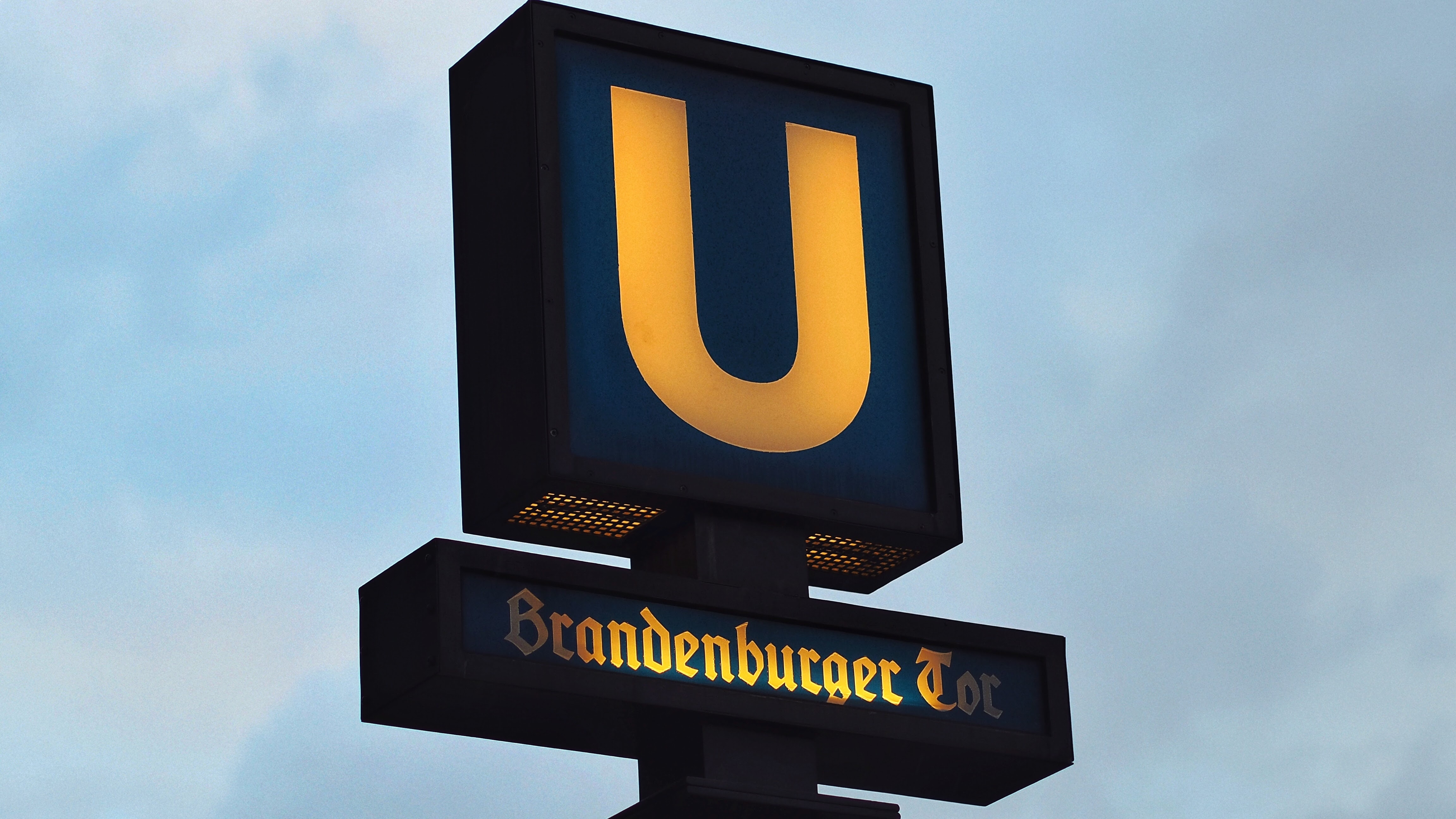 U Branden Burger Signage, Business, Clouds, Daylight, Design, HQ Photo