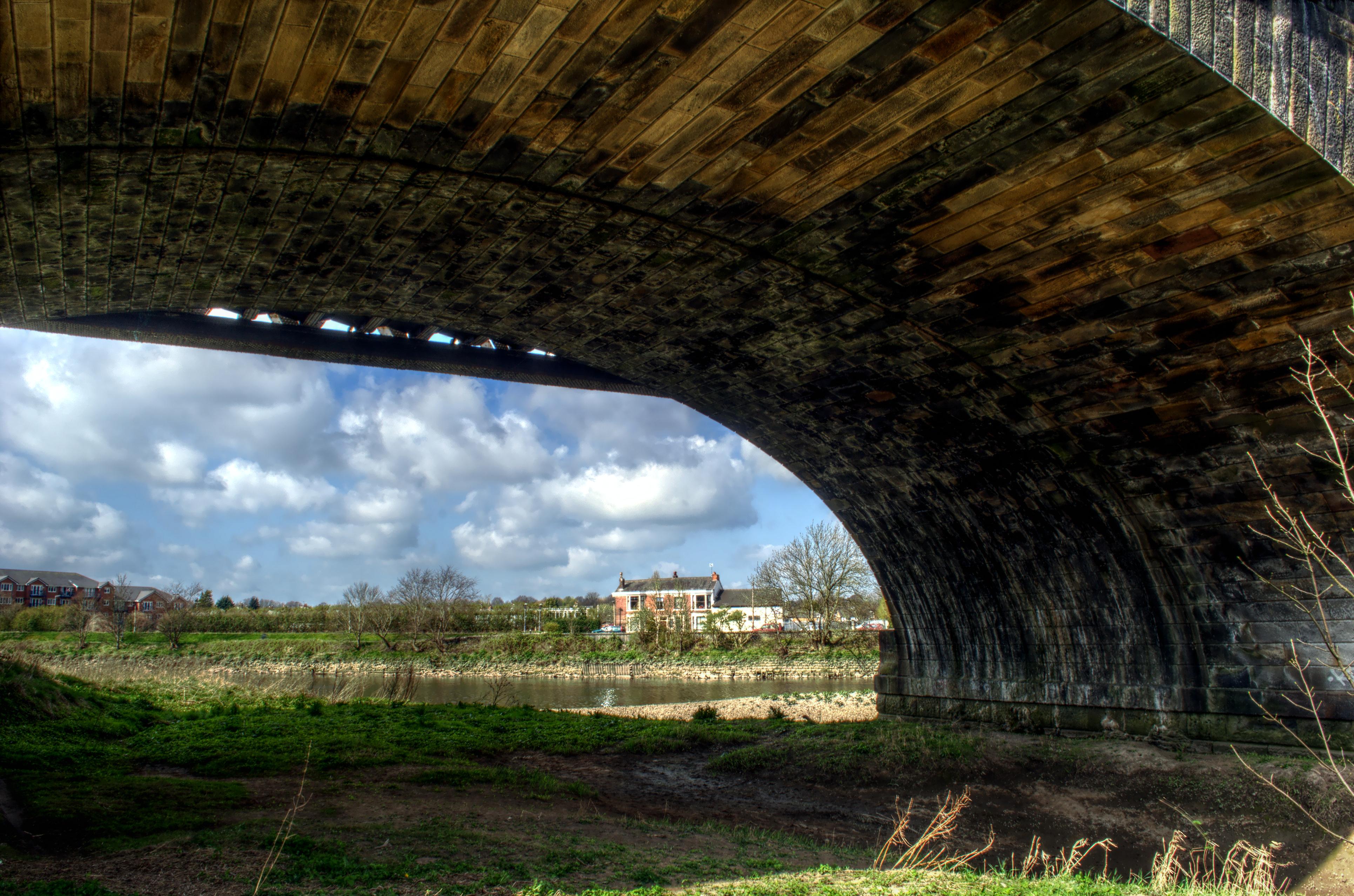 Under The Bridge   designbyIZO