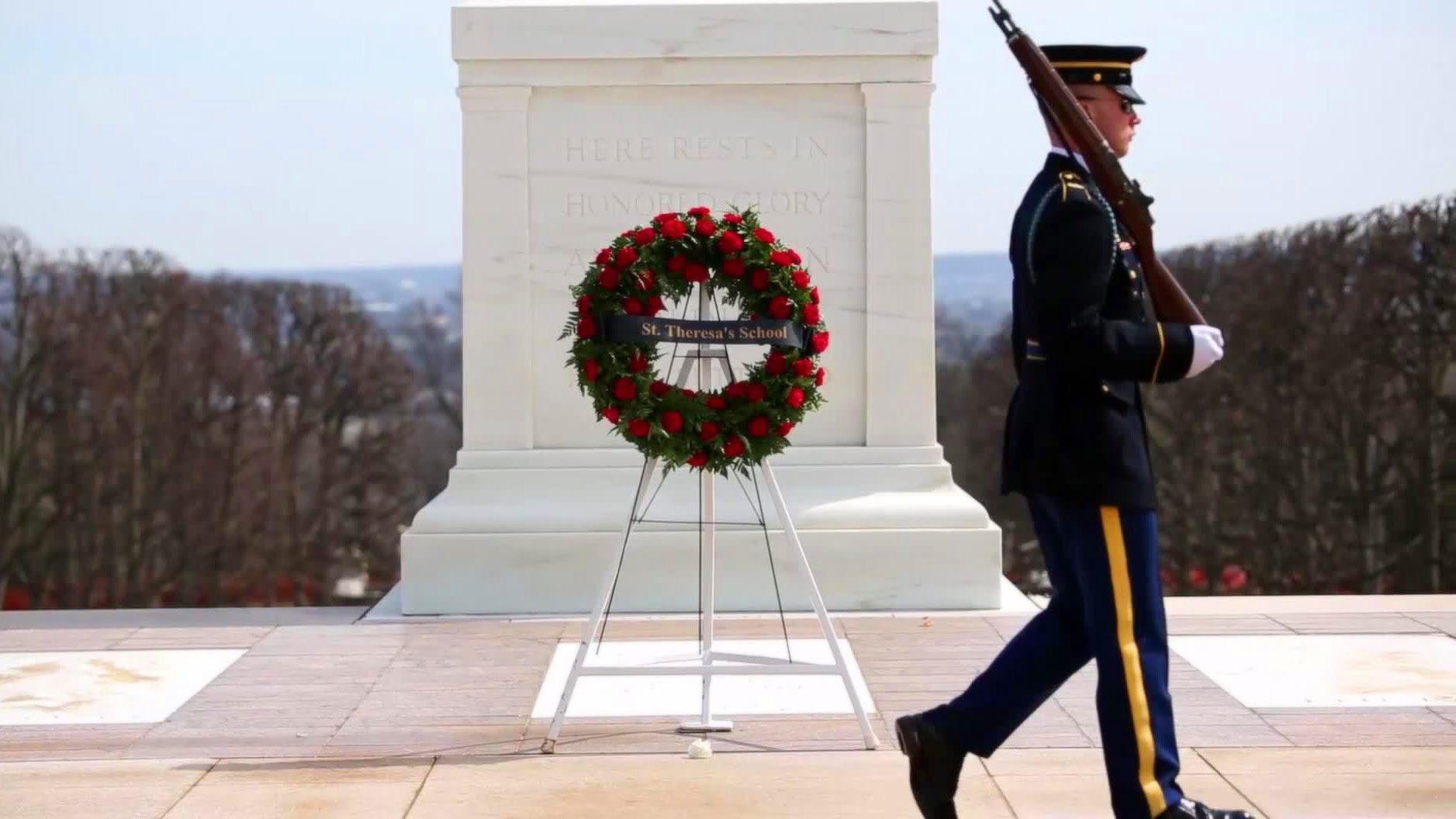 Tomb of the Unknown Soldier: Changing of the Guard - YouTube