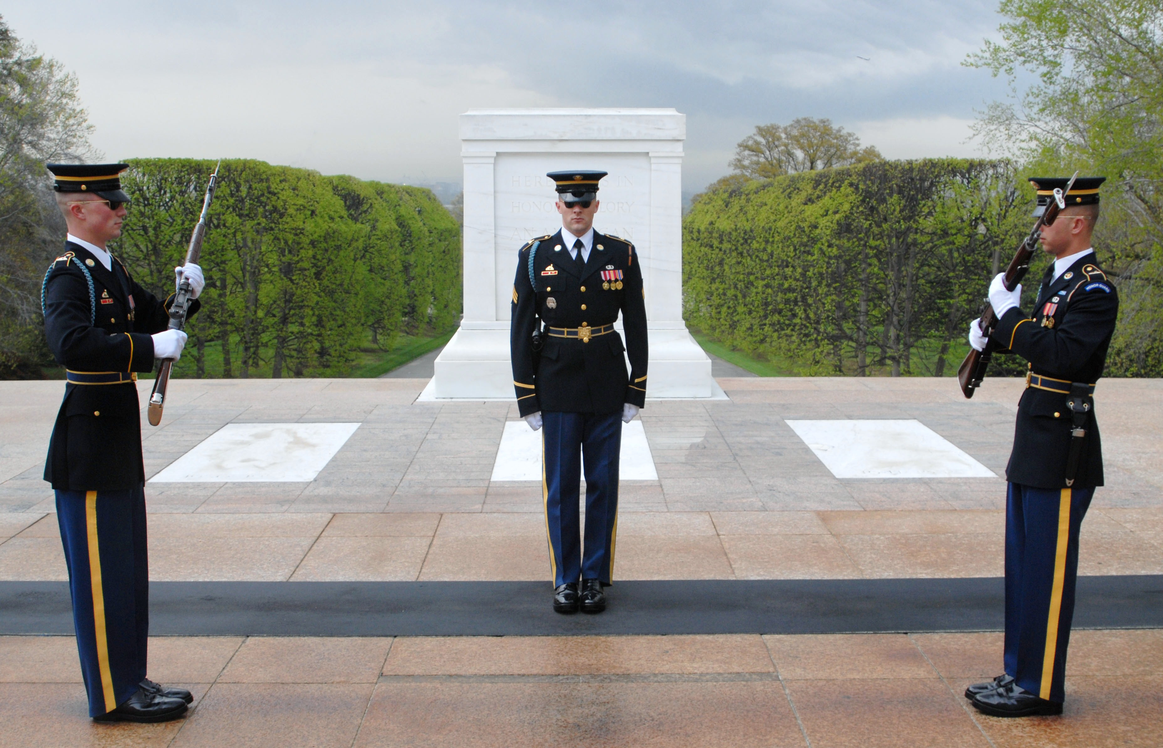 The Tomb of the Unknowns | Article | The United States Army