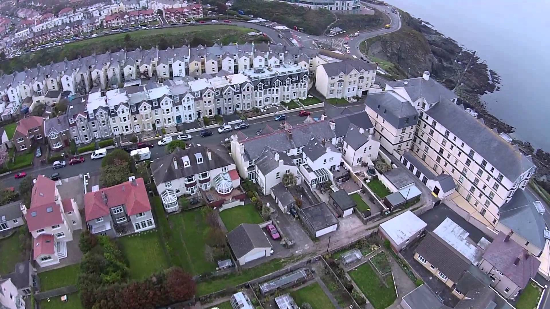 Flight over Onchan, Isle Of Man - YouTube