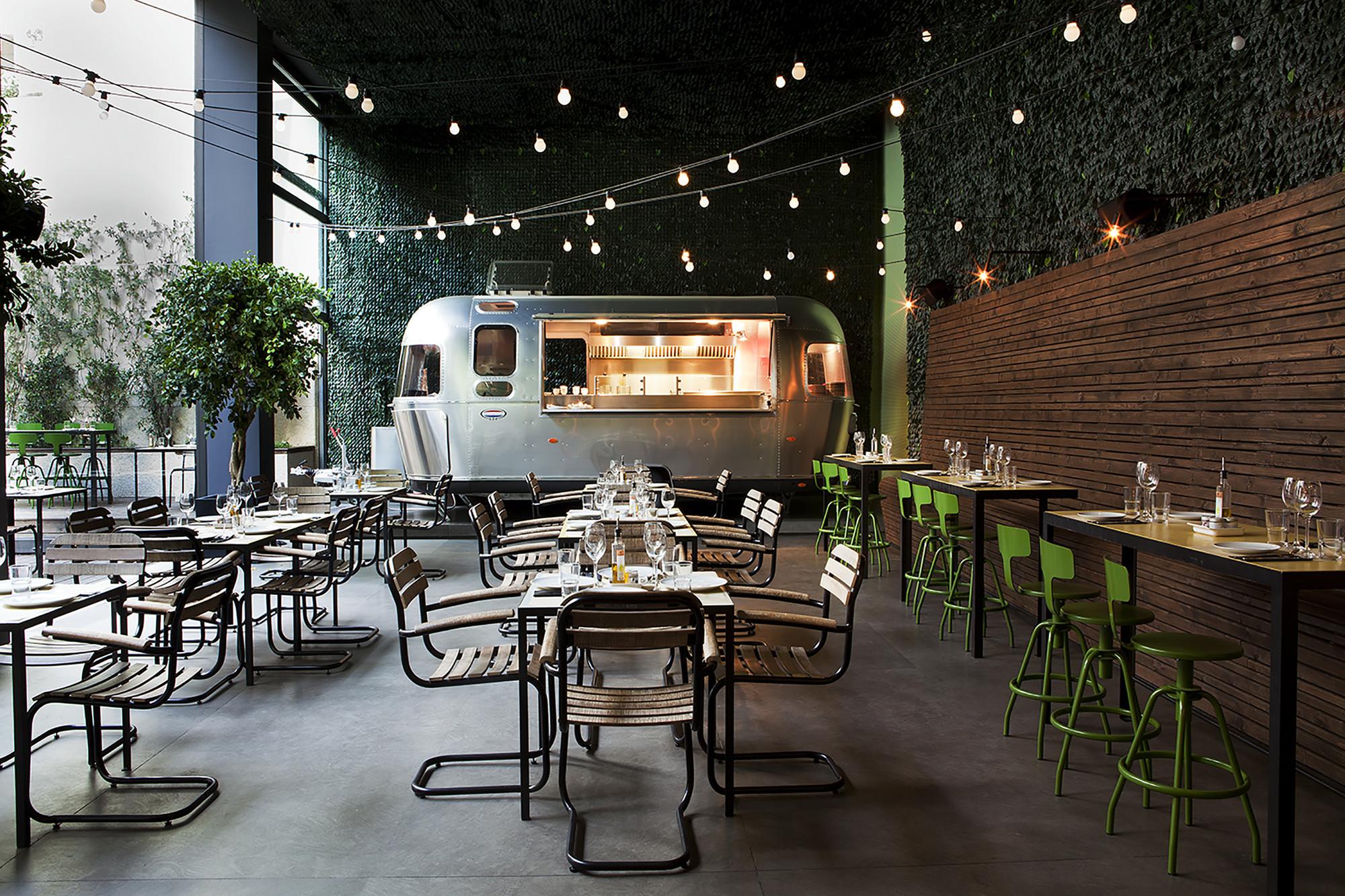 Urban restaurant photo