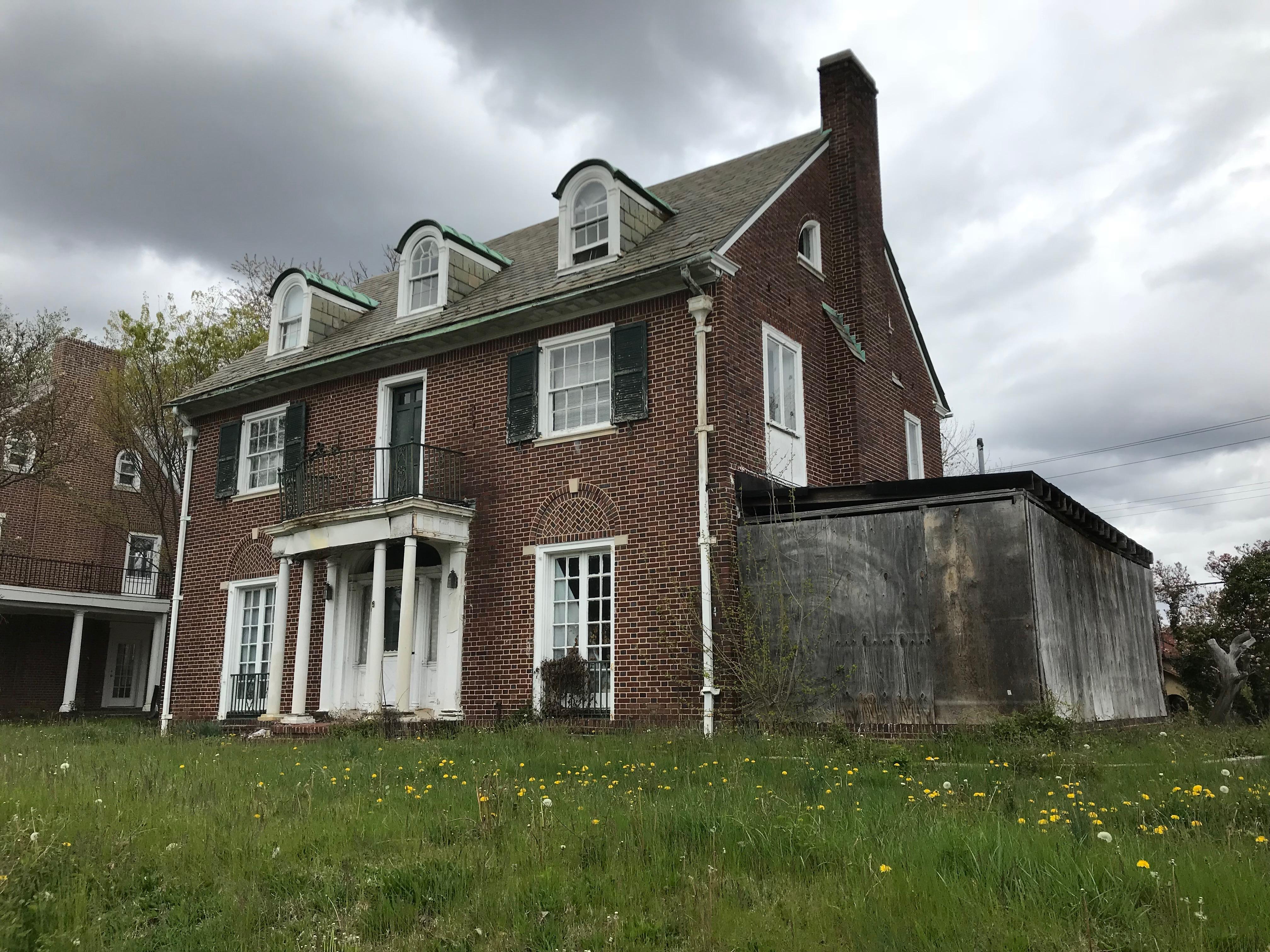 Vacant house, e. 33rd street and tivoli avenue (northwest corner), baltimore, md 21218 photo