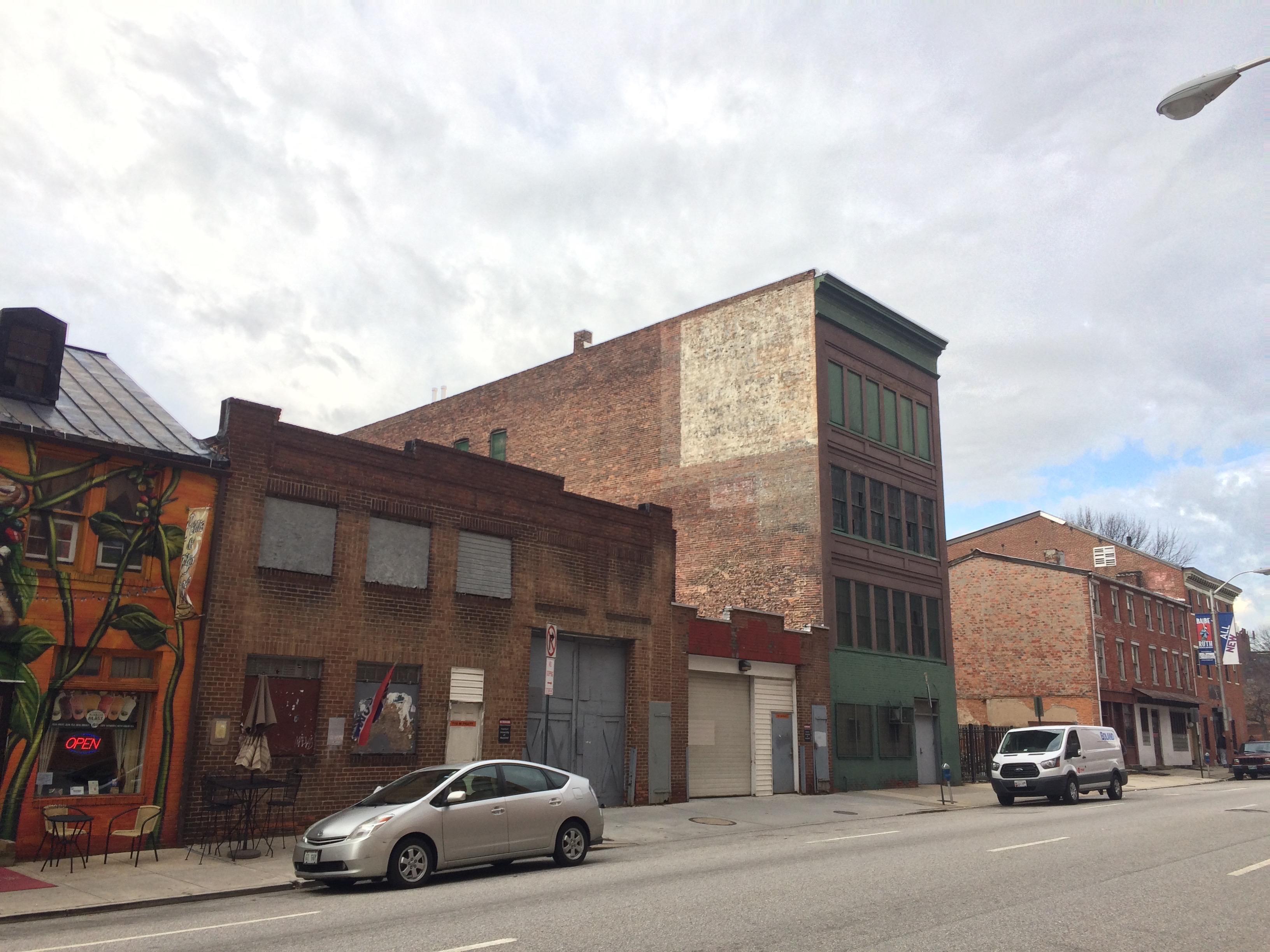 Vacant warehouse/industrial building (1914), 723 W. Pratt Street, Baltimore, MD 21230, Baltimore, Building, Car, Industrial building, HQ Photo
