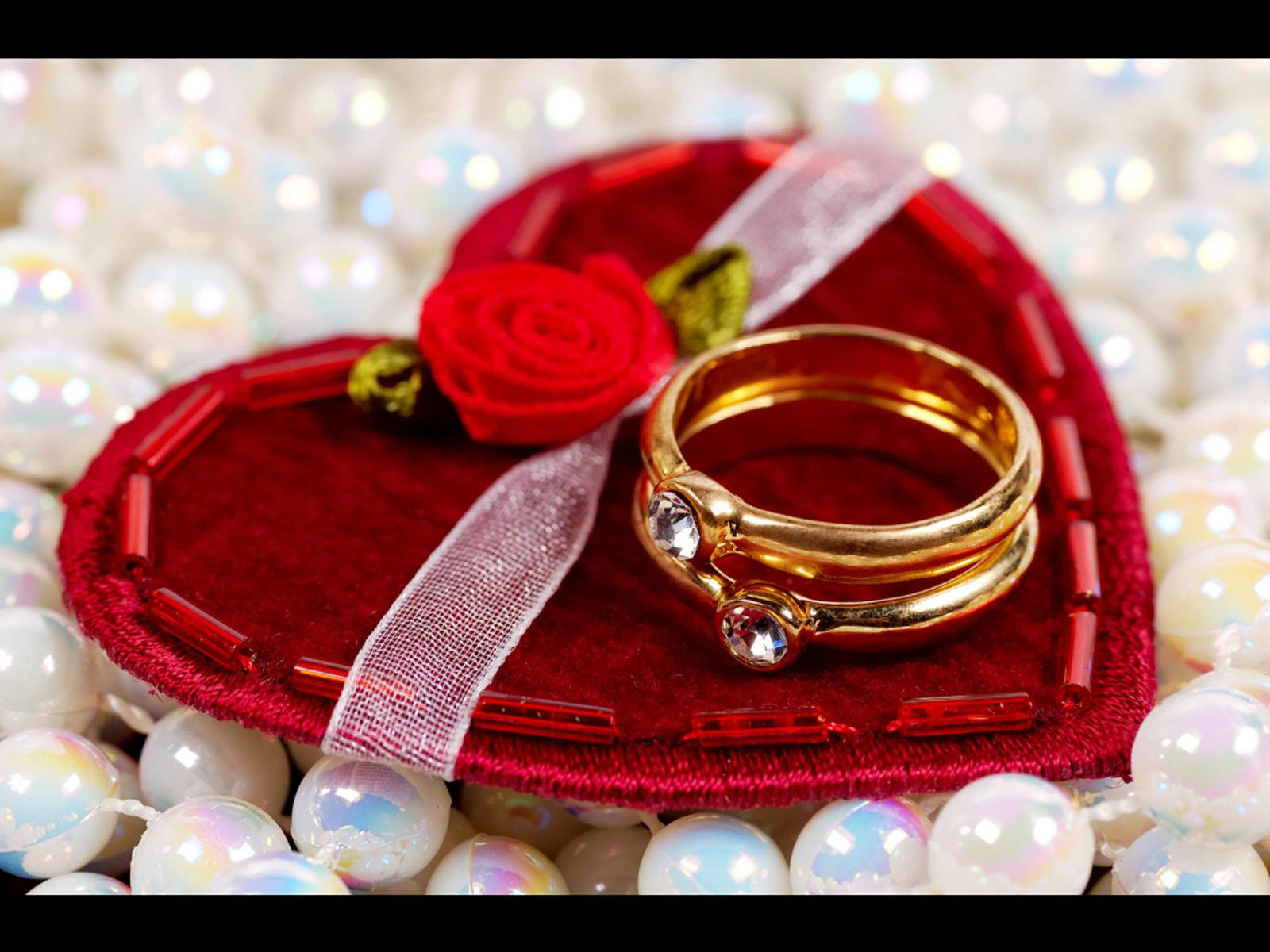 valentine day special gift ideas appealing gold ring red roses red ...