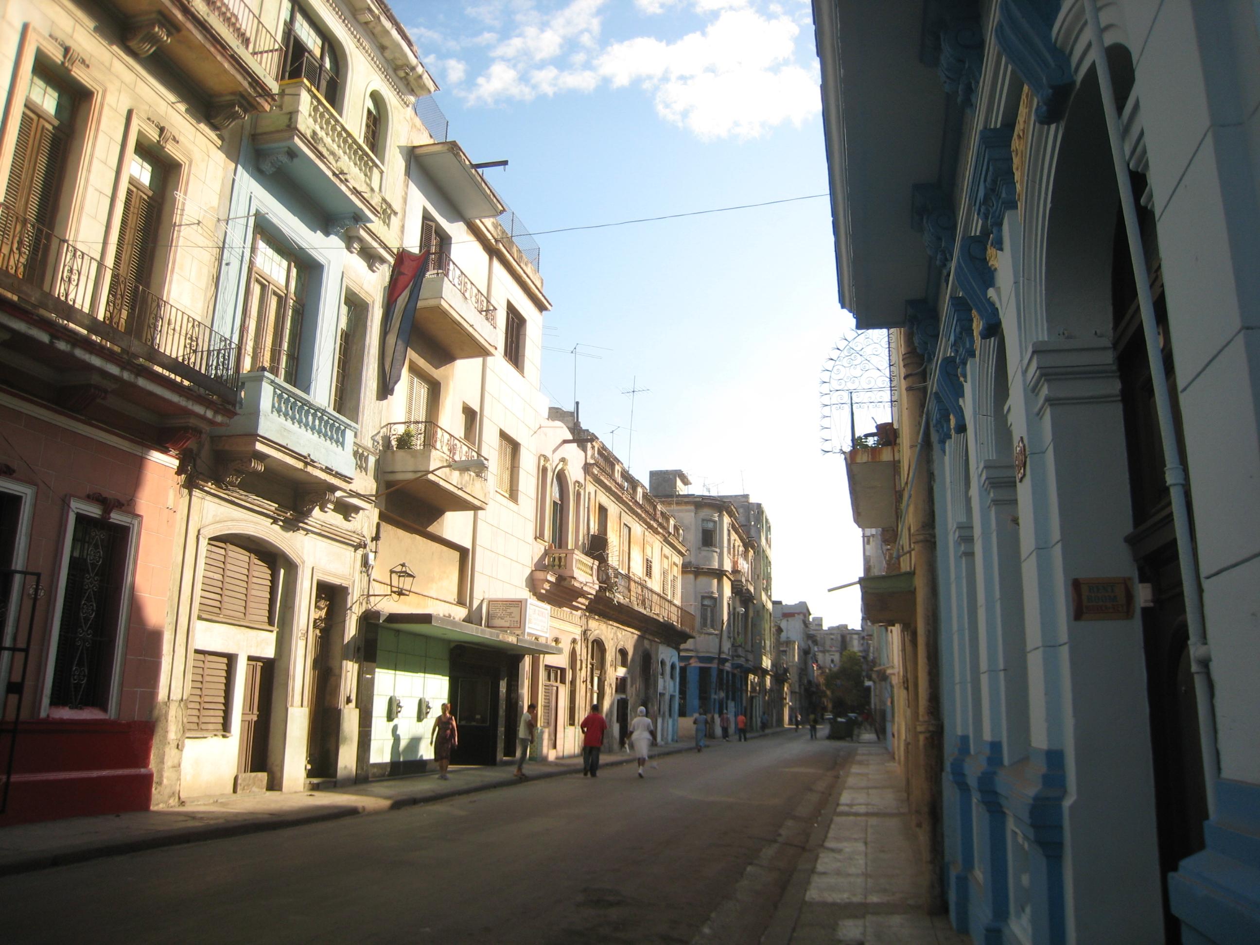 Varadero alley photo