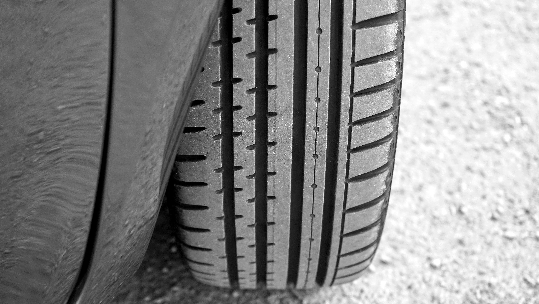 Vehicle tire photo