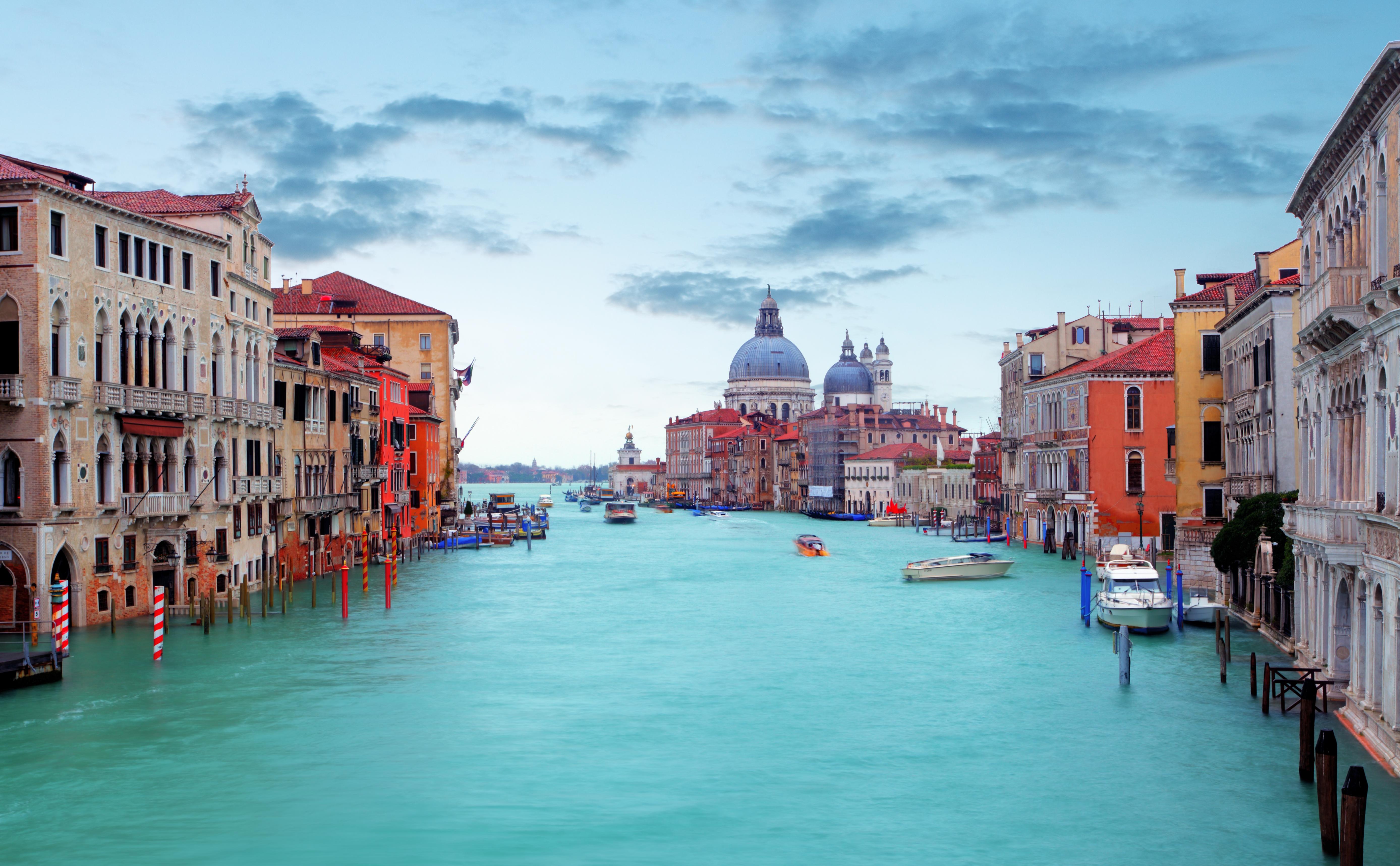 Venice: Epiphany Regatta - Dream of Italy
