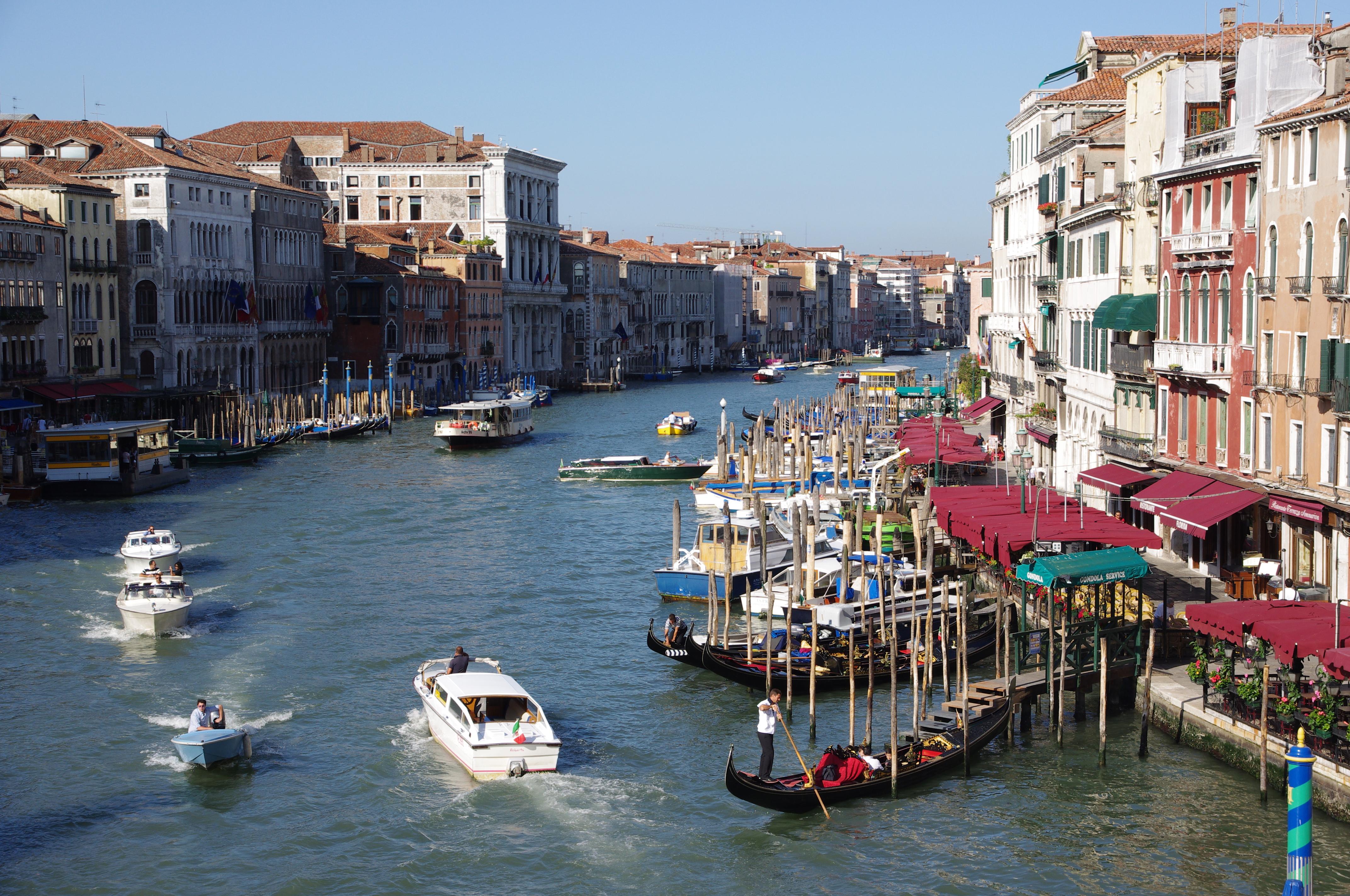 File:20110722 Venice Canal Grande 4072.jpg - Wikimedia Commons