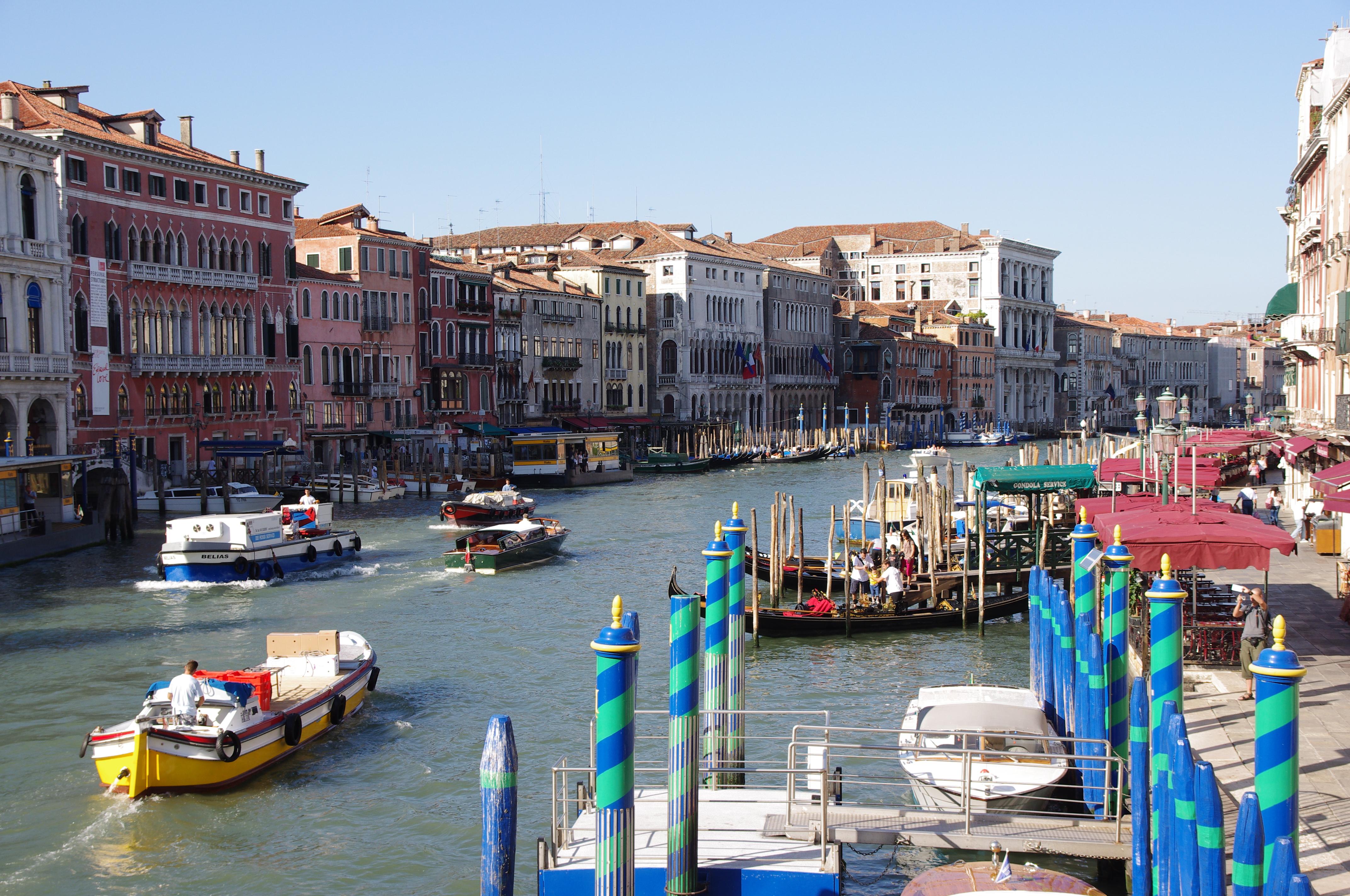 File:20110722 Venice Canal Grande 4068.jpg - Wikimedia Commons