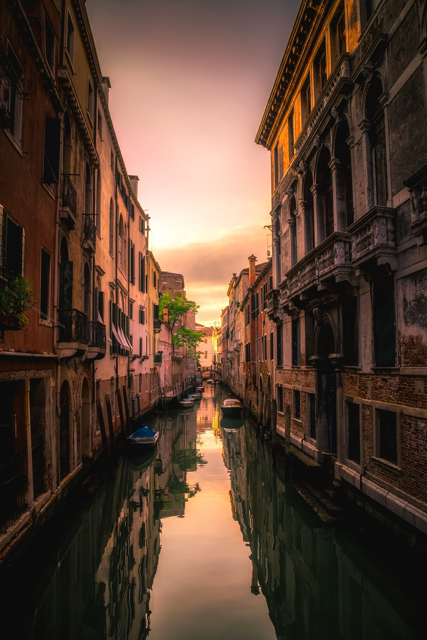 View of Canal in City, Architecture, Reflections, Venice, Vacation, HQ Photo