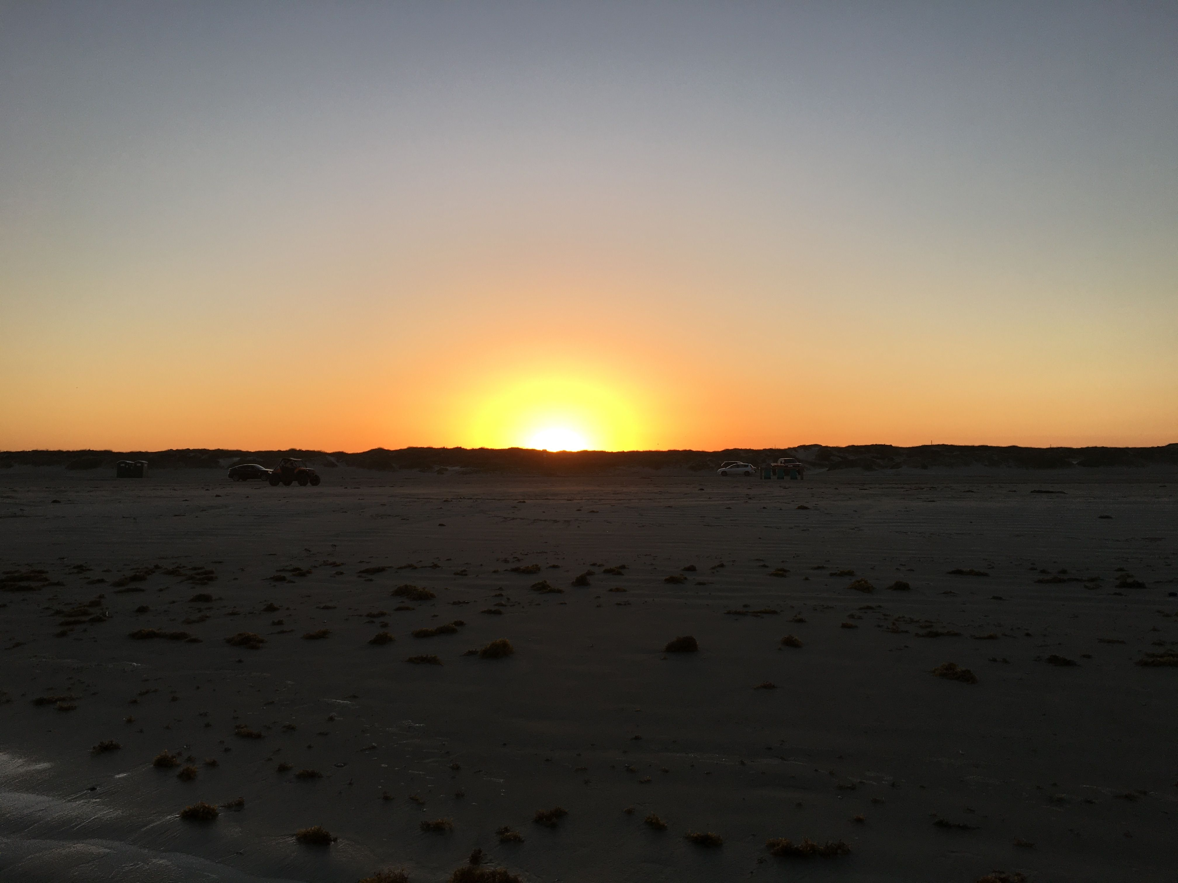 Plain sunset. No clouds tonight.   Trucs de Nina   Pinterest