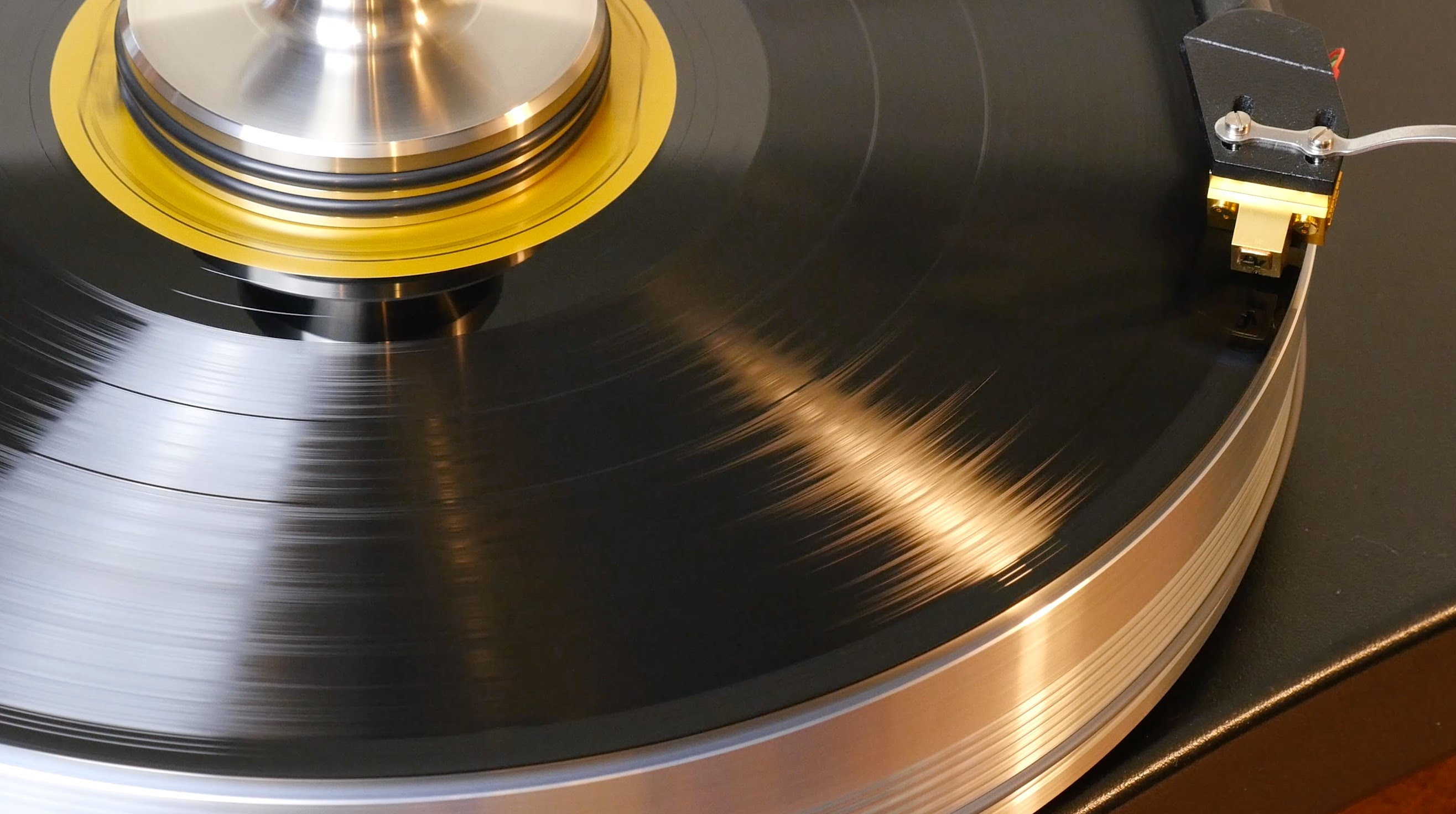 7 Tips to Perfect Sounding Vinyl Records: Handling, Cleaning ...
