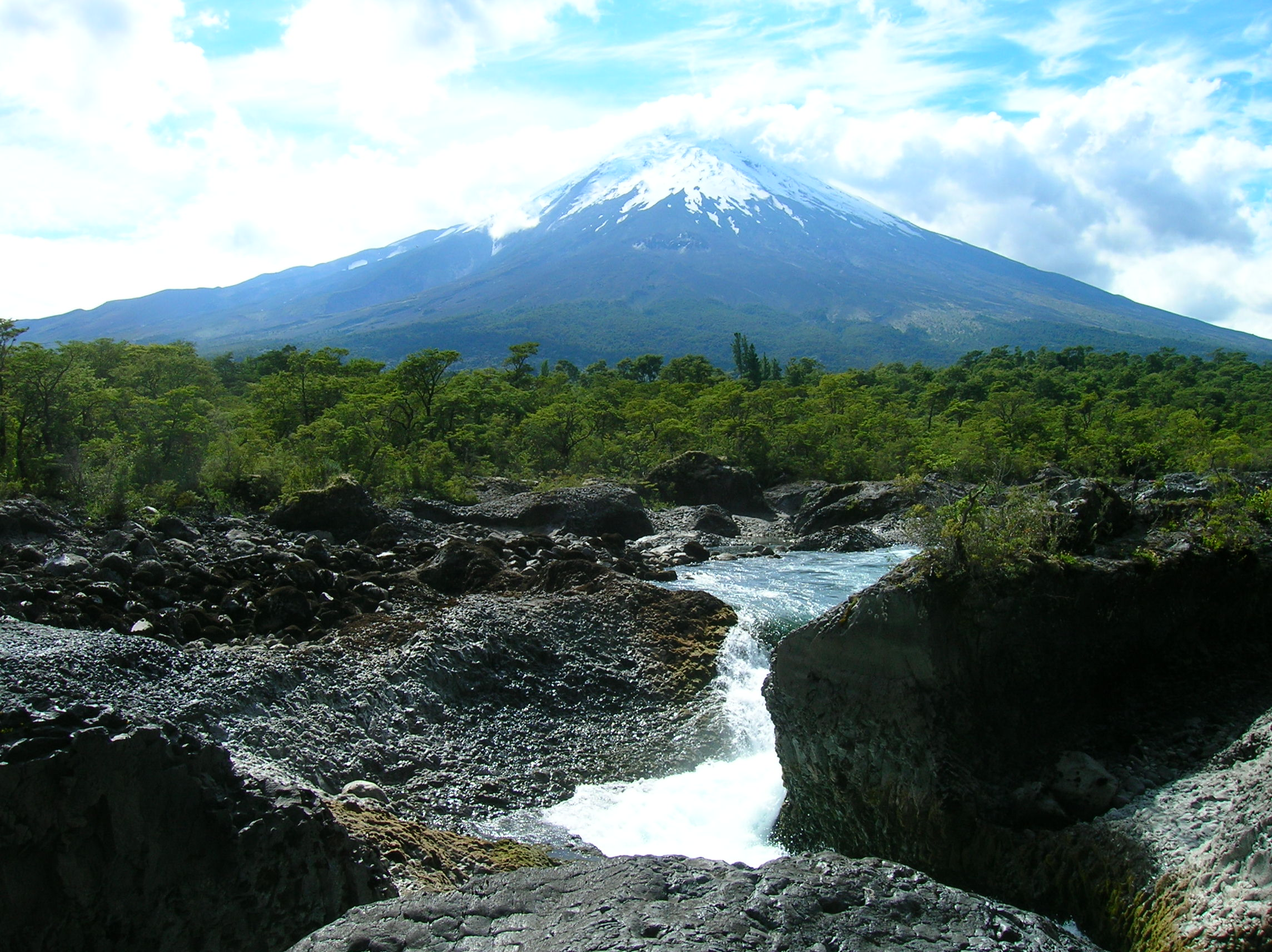 File:Volcán Osorno.jpg - Wikimedia Commons