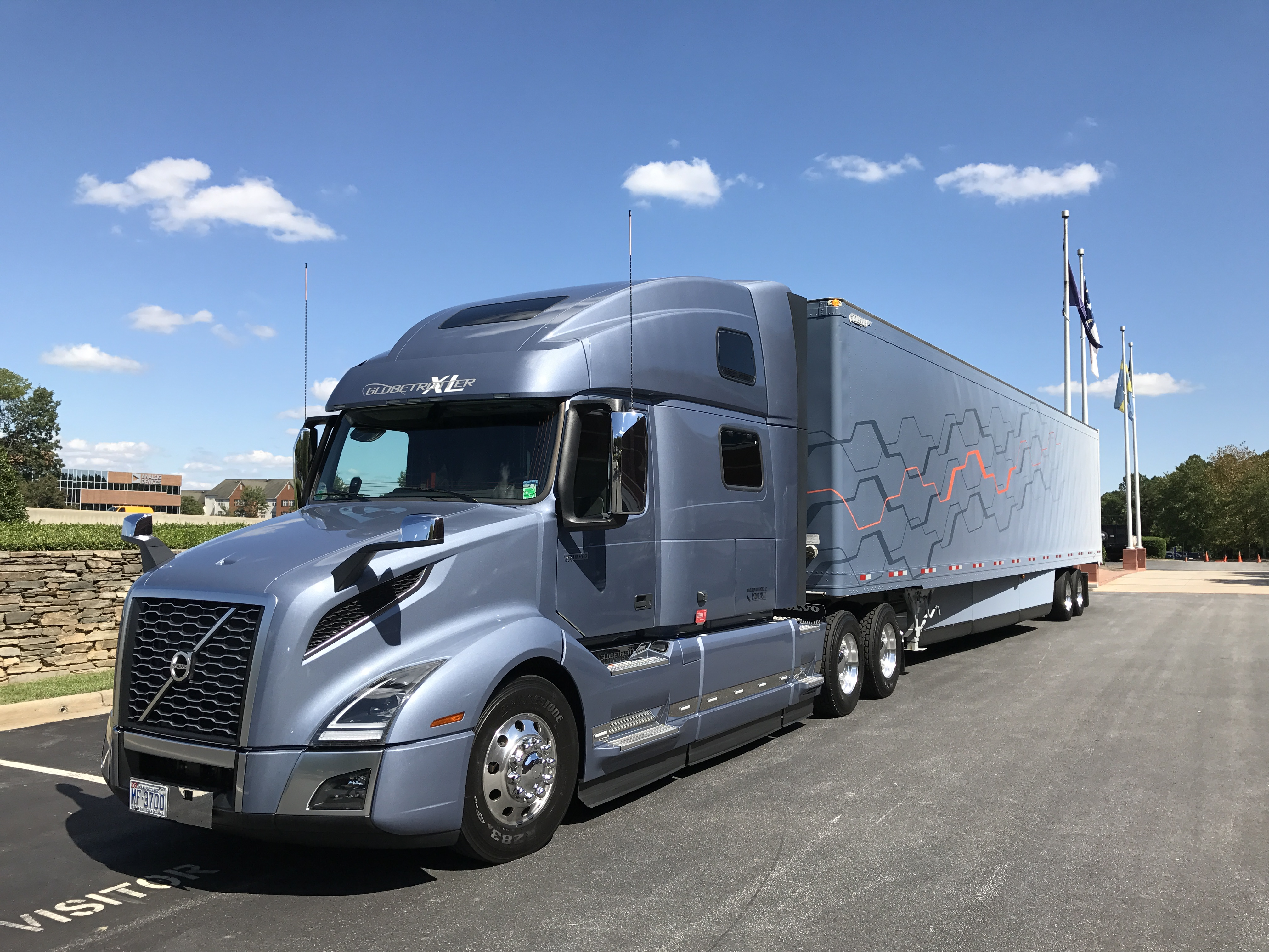 Driving the new Volvo VNL - Truck News