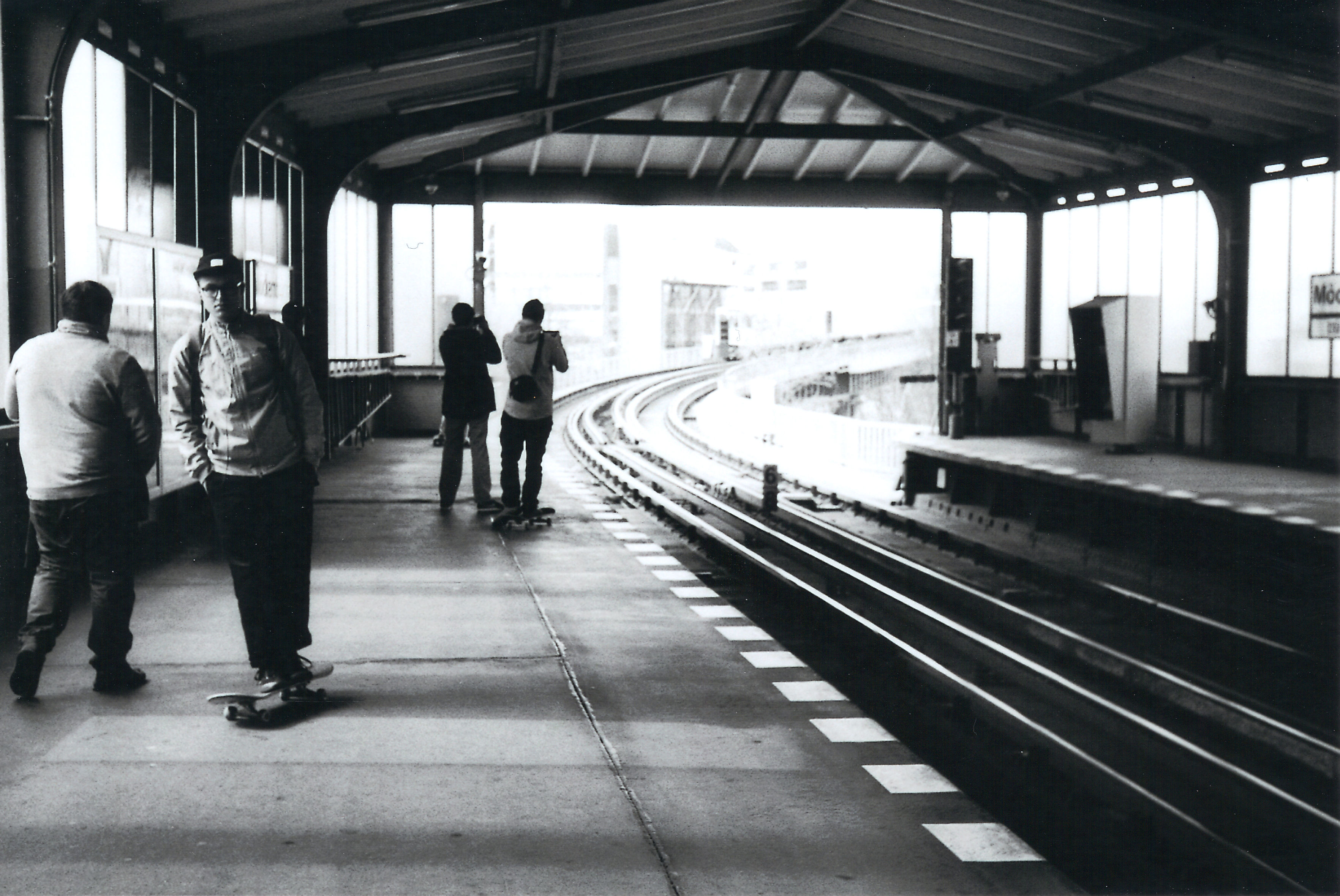 Waiting for the train, 35mm, Blackandwhite, Film, People, HQ Photo
