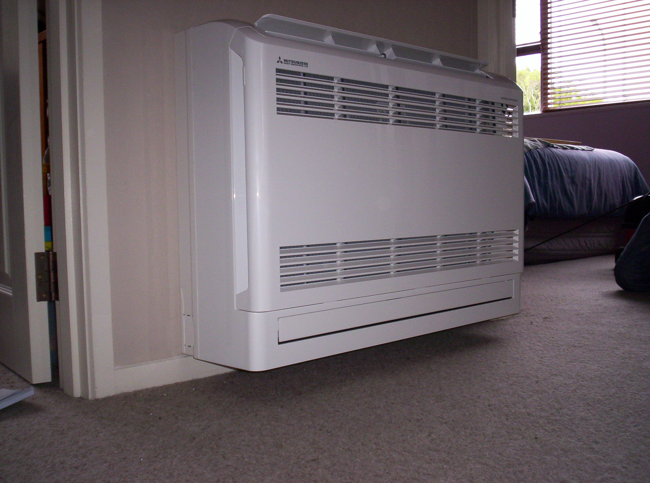 Free photo: Wall Mounted Air Conditioner - Heating, Heatpump, Floor