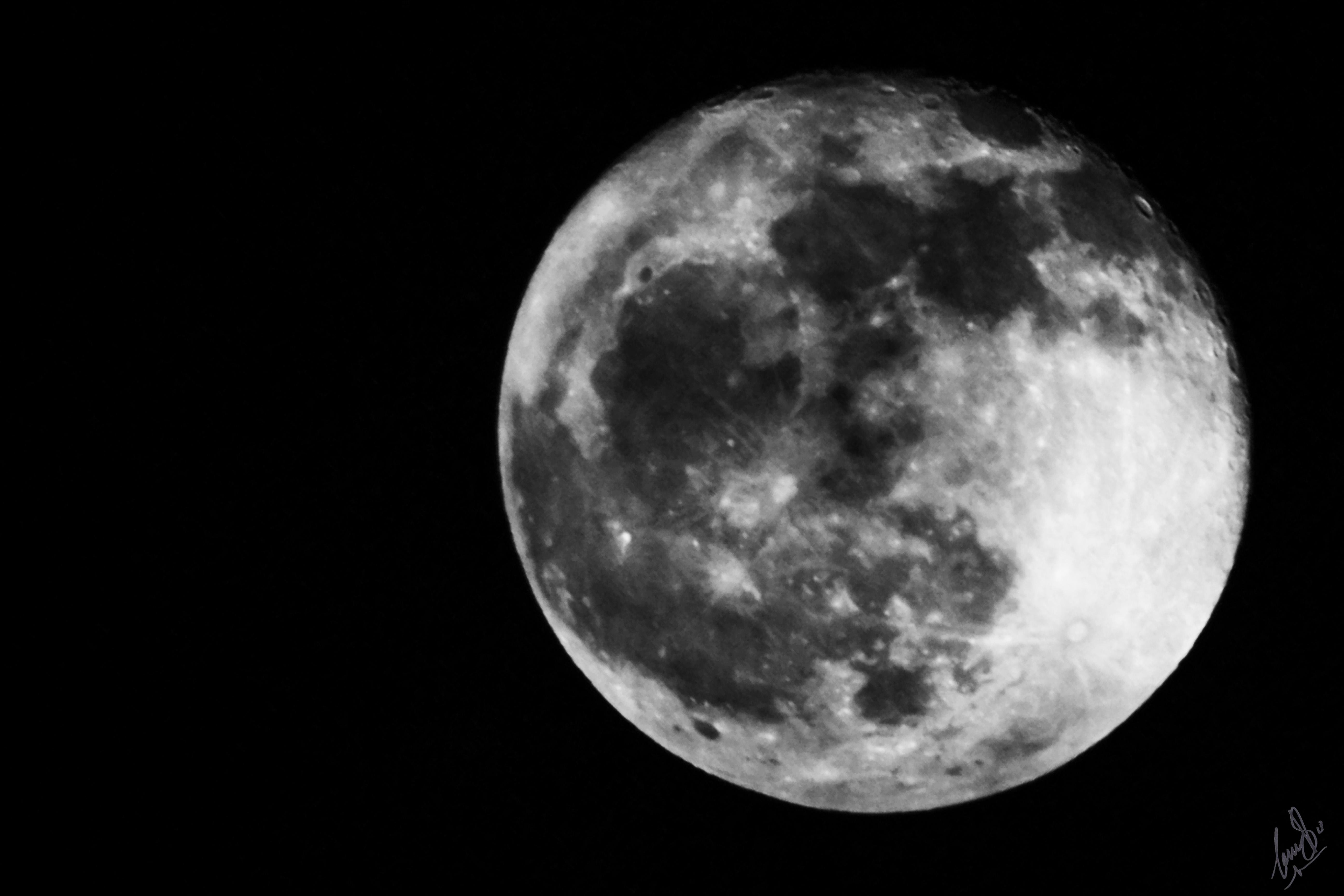 Waning Gibbous Moon 080917, Lunar, Monochrome, Moon, Night, HQ Photo