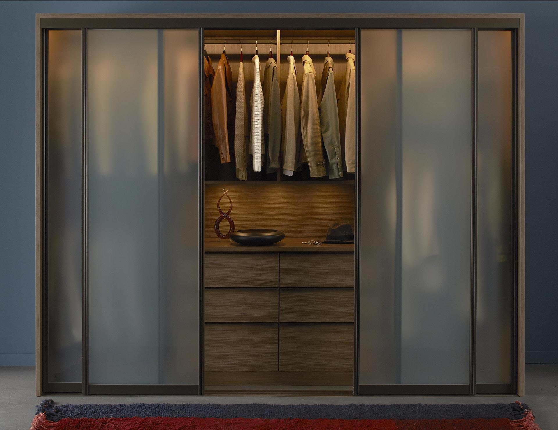 Wardrobe Closets | Custom Wardrobe Closet Systems for Your Bedroom