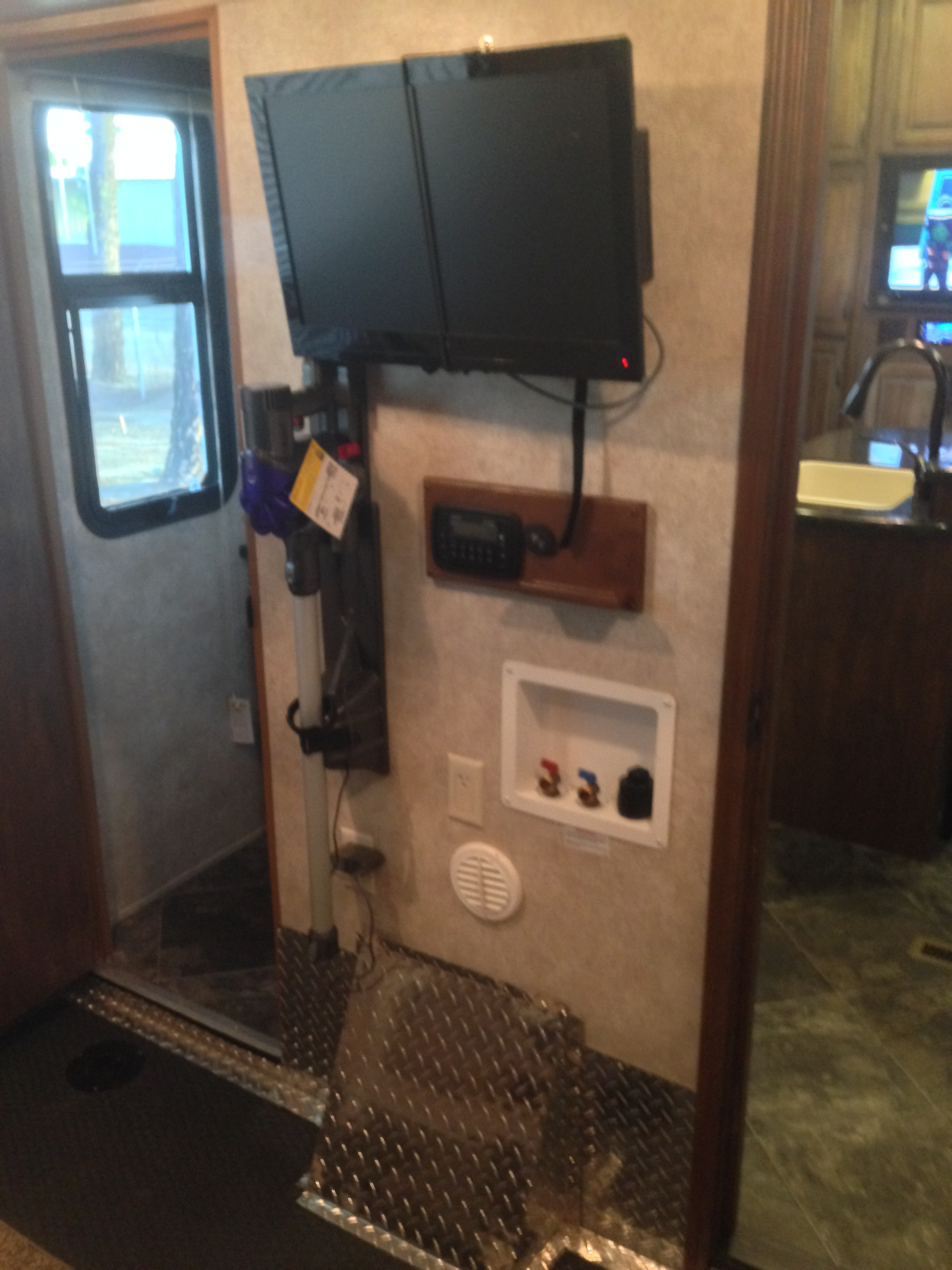 RV Washing Machine Installation | RV-FAMILY-LIFE