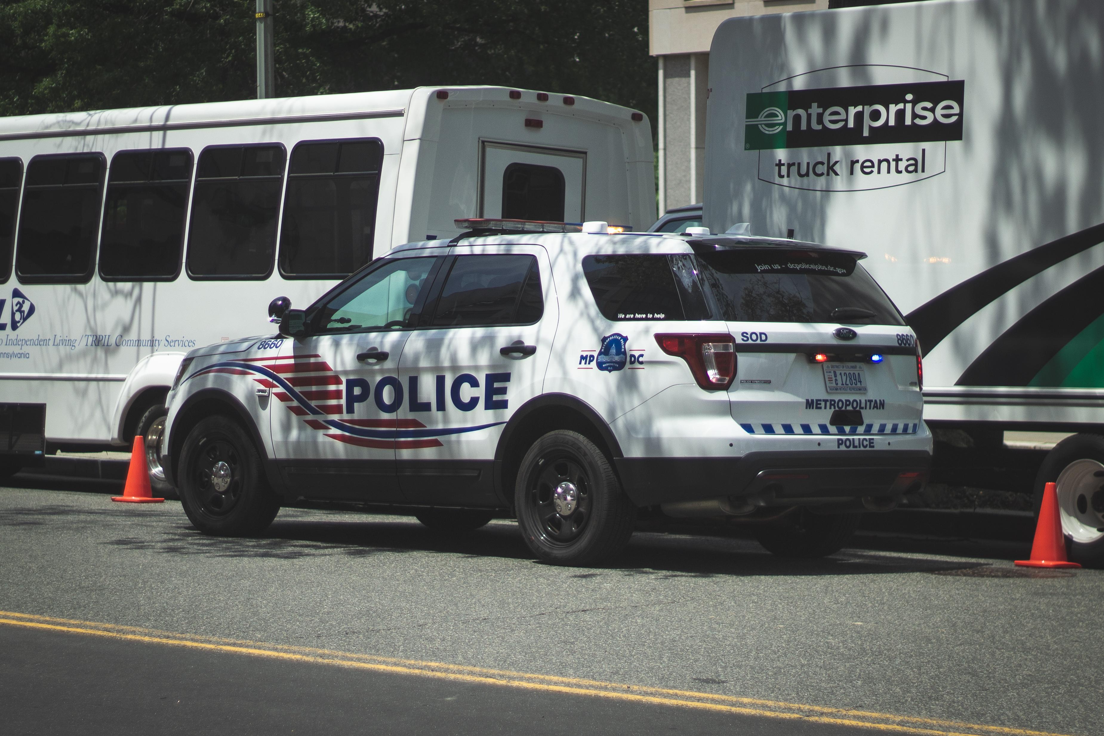 Washington, DC Metropolitan Police - Ford Utility, Building, Police car, Washington DC Police, Washington, HQ Photo