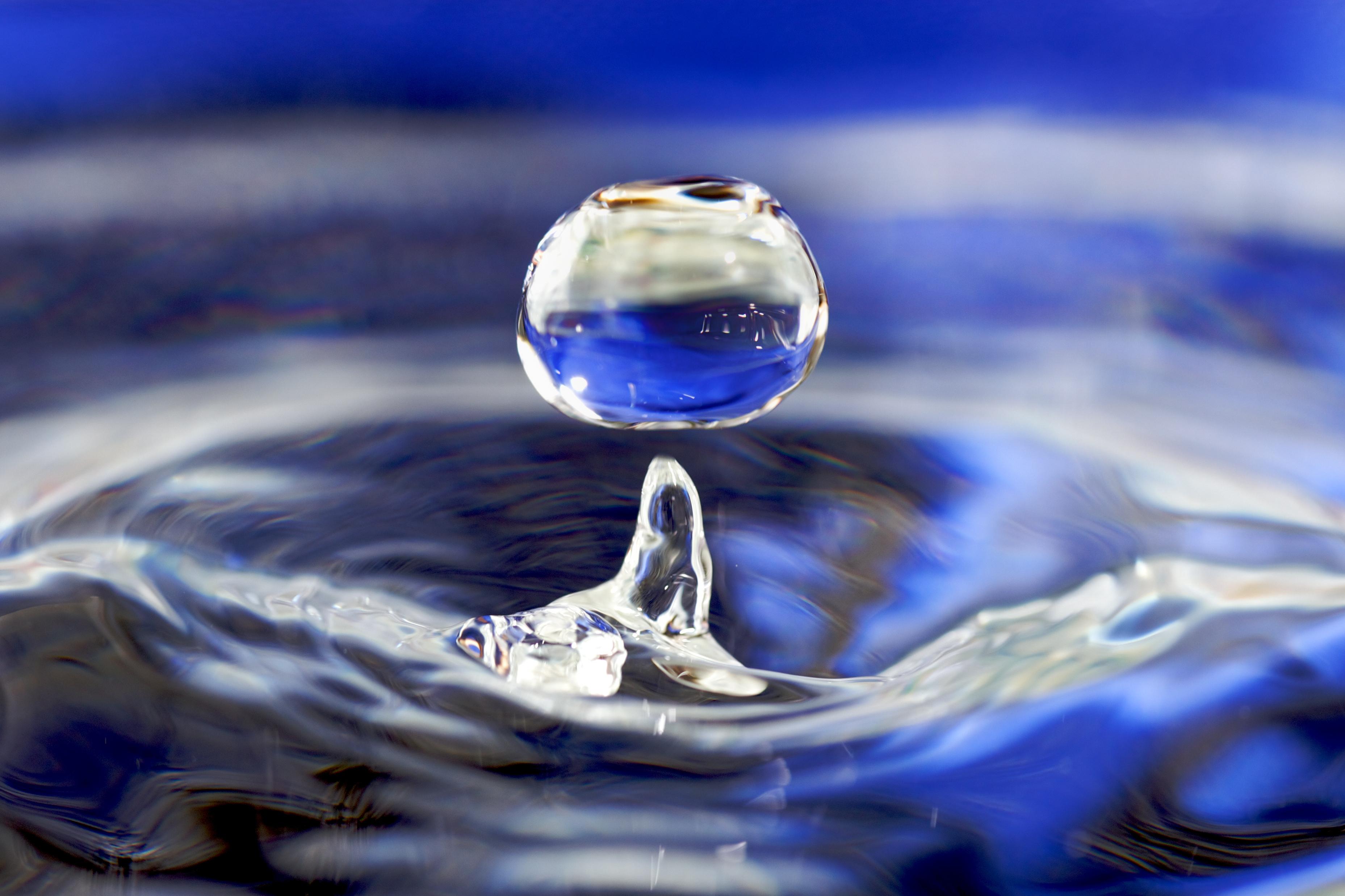 Water - Wikipedia