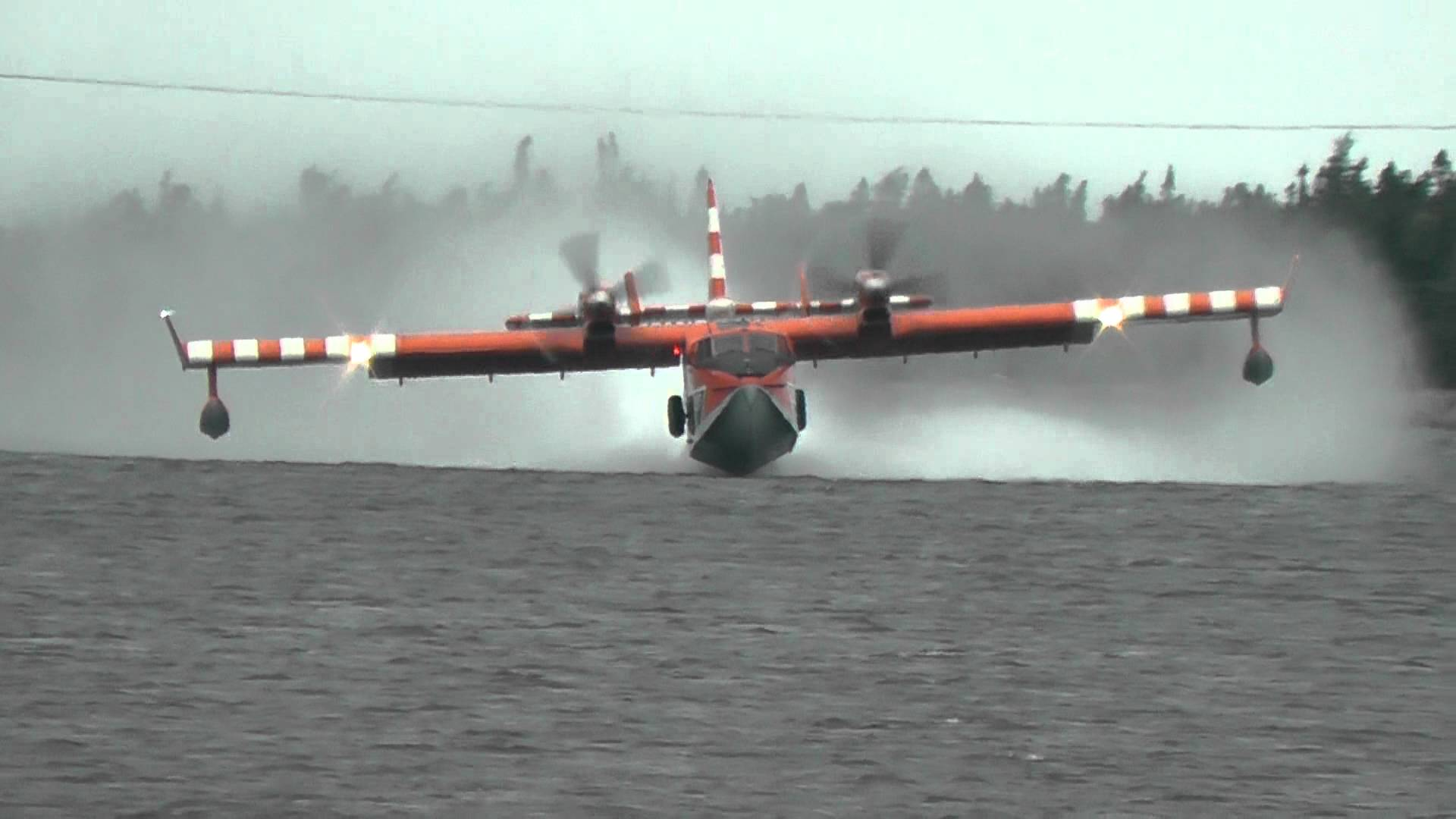 Water bomber photo