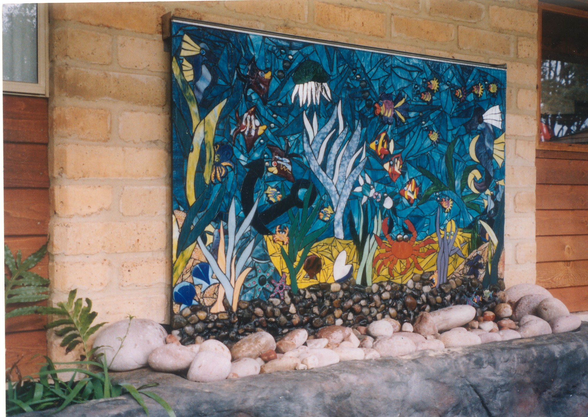 Mosaic Water Feature architectural designs - CINDY POOLE : GLASS ARTIST