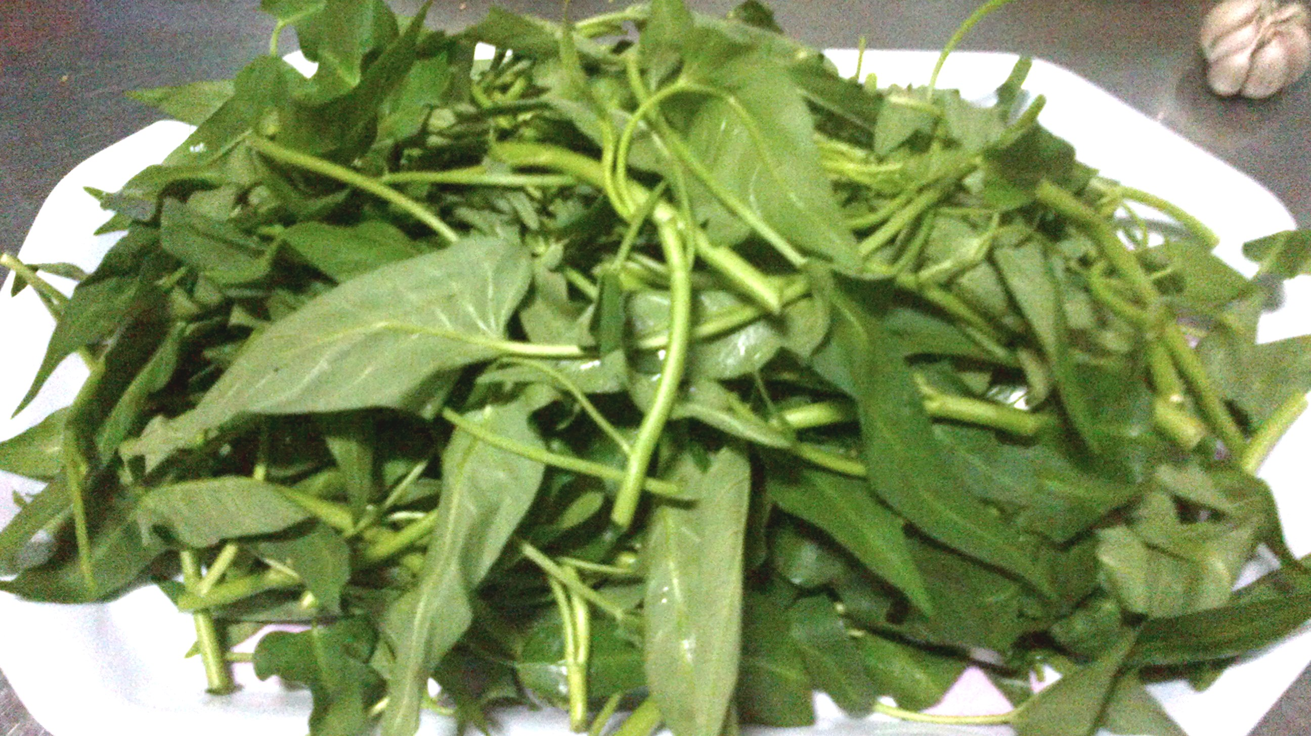 Vietnamese Recipes –Water Spinach With Garlic – Rau Muong Xao Toi ...