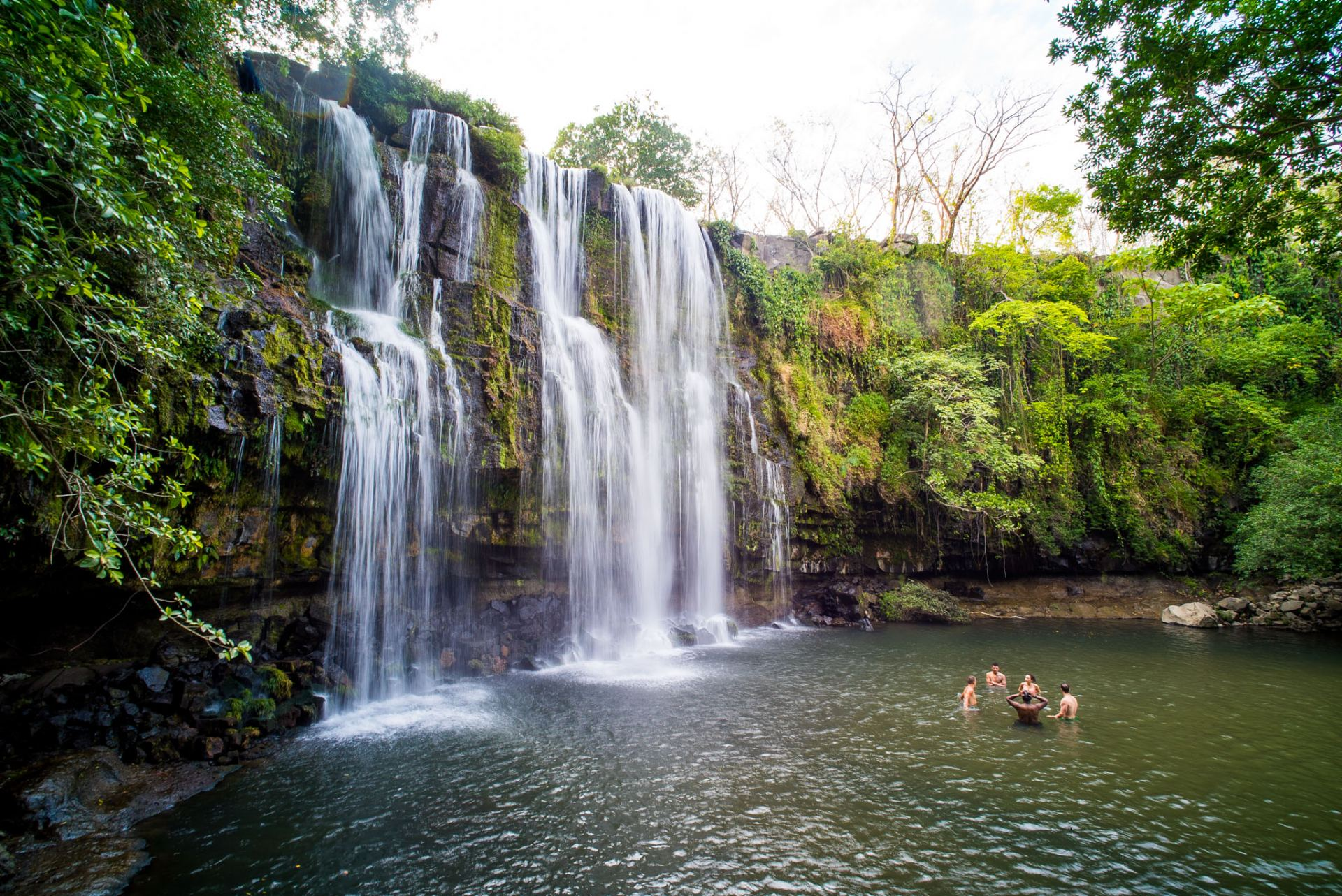 Secret Costa Rica waterfall near Liberia: Llanos de Cortes