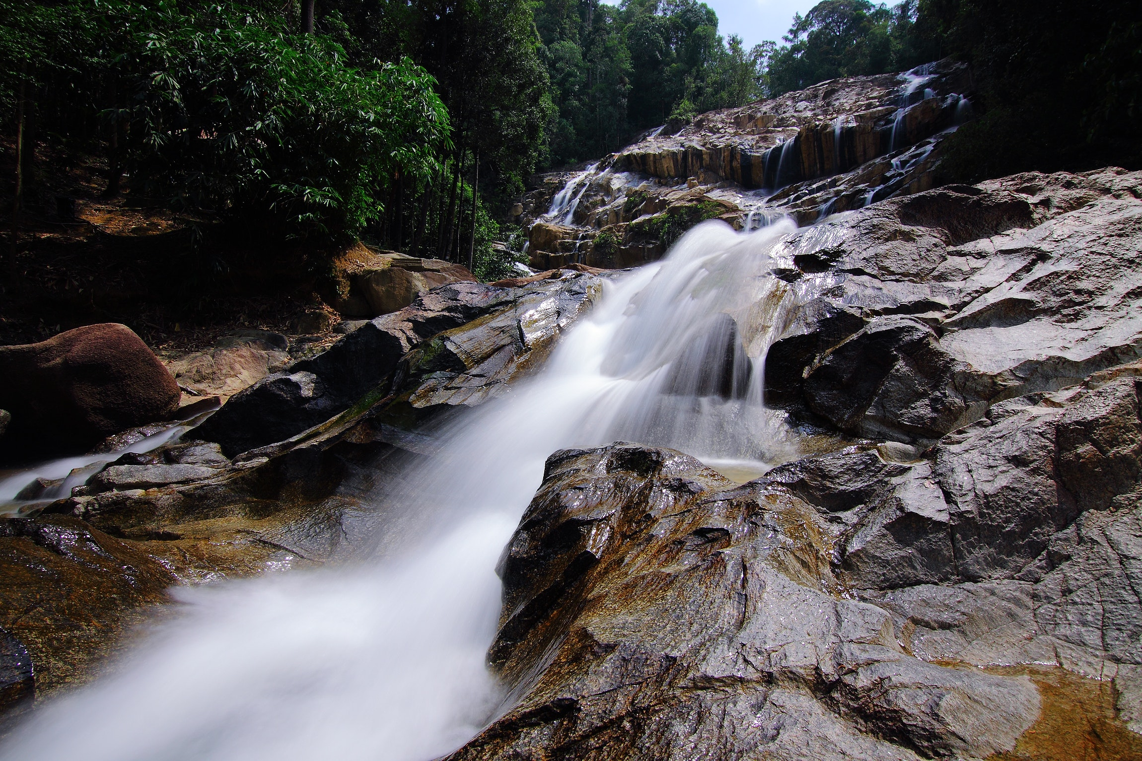 Waterfalls on Rocks Surrounded by Trees, Beautiful, Rapids, Wet, Waterfalls, HQ Photo