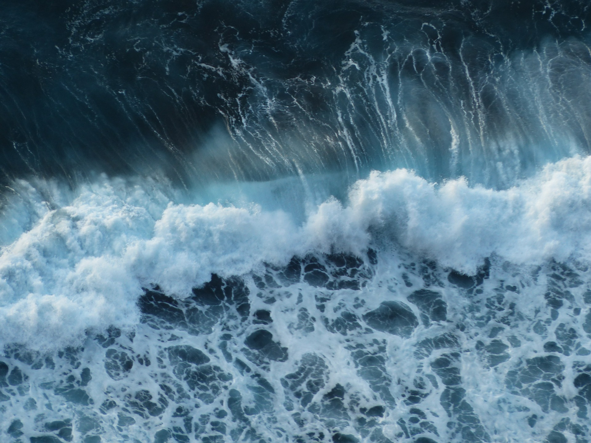 Ocean Waves Explained: How Do They Work? – Underwater Audio