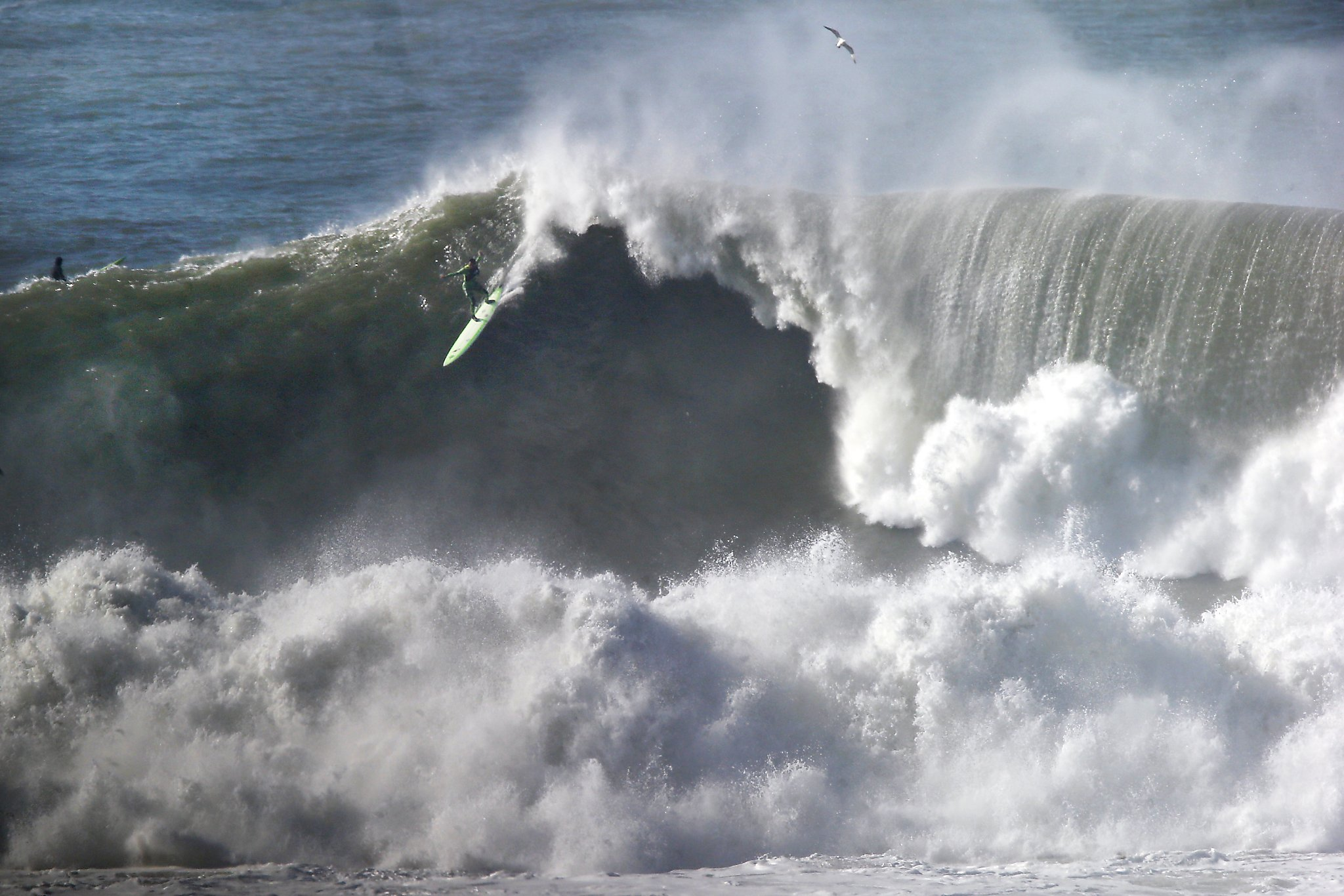 Monster 50-foot waves hit Northern California, professional surfers ...