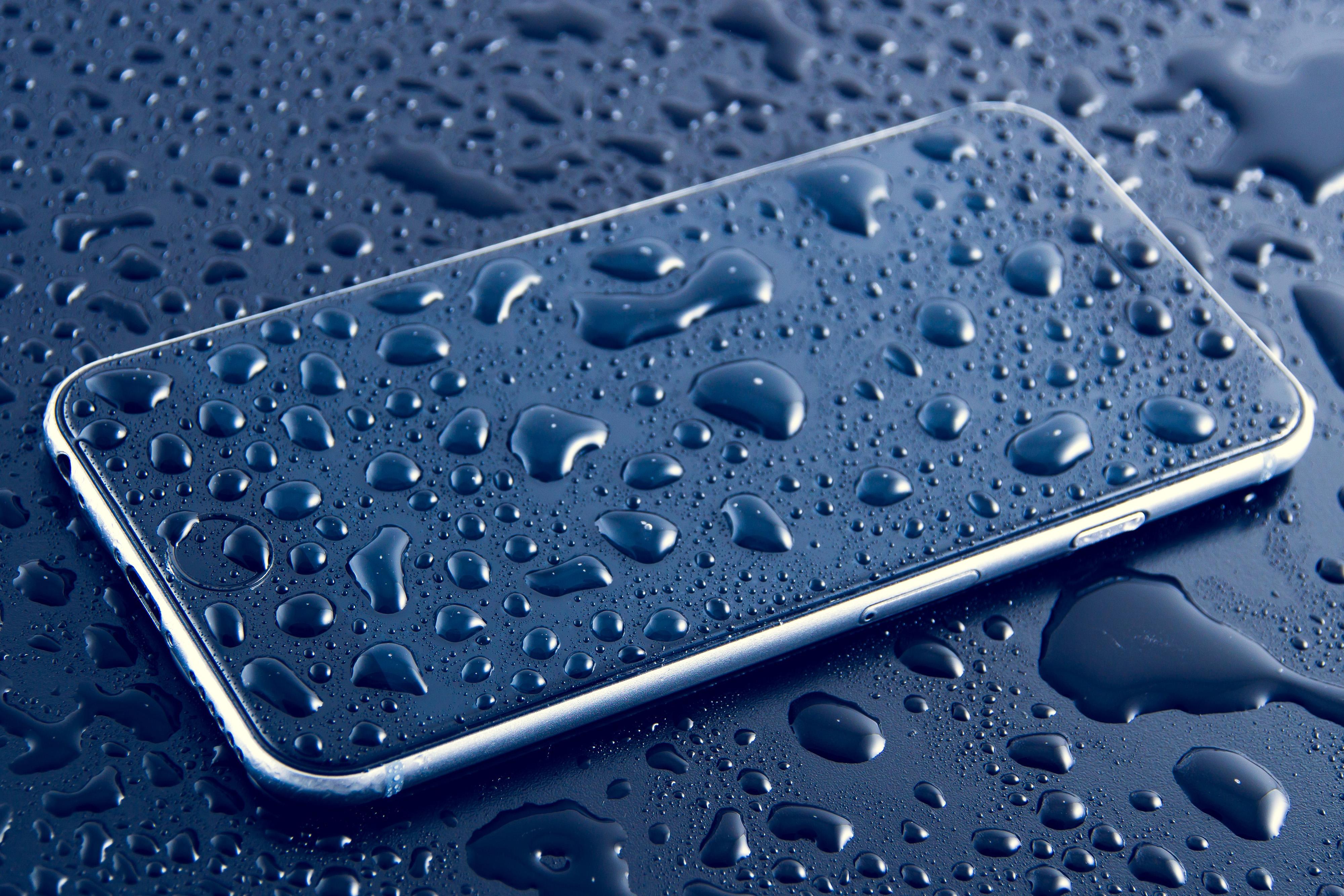 Wet Phone Free Photo - ISO Republic
