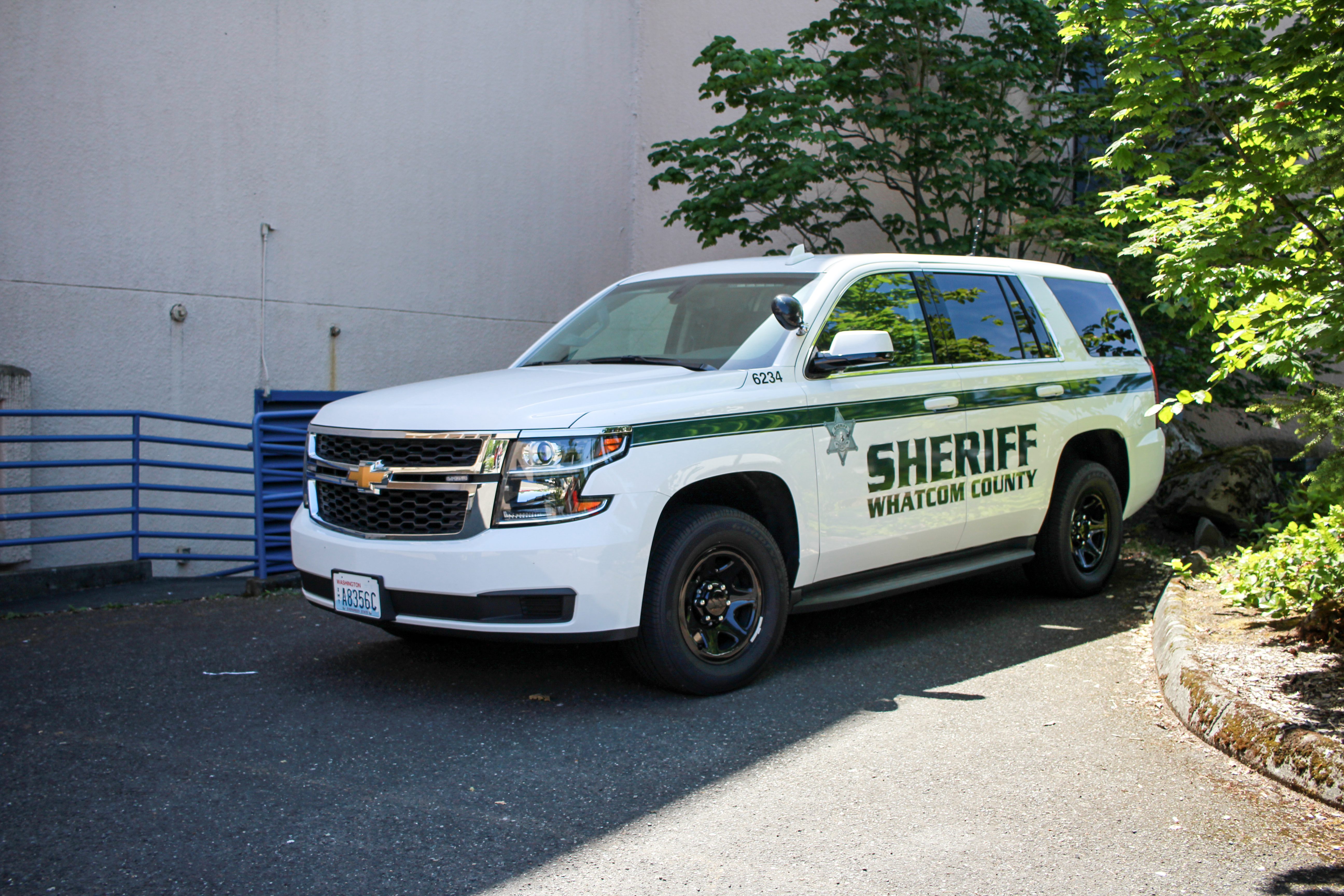 Whatcom sheriff new slicktop 2015 chevrolet tahoe (6234) photo