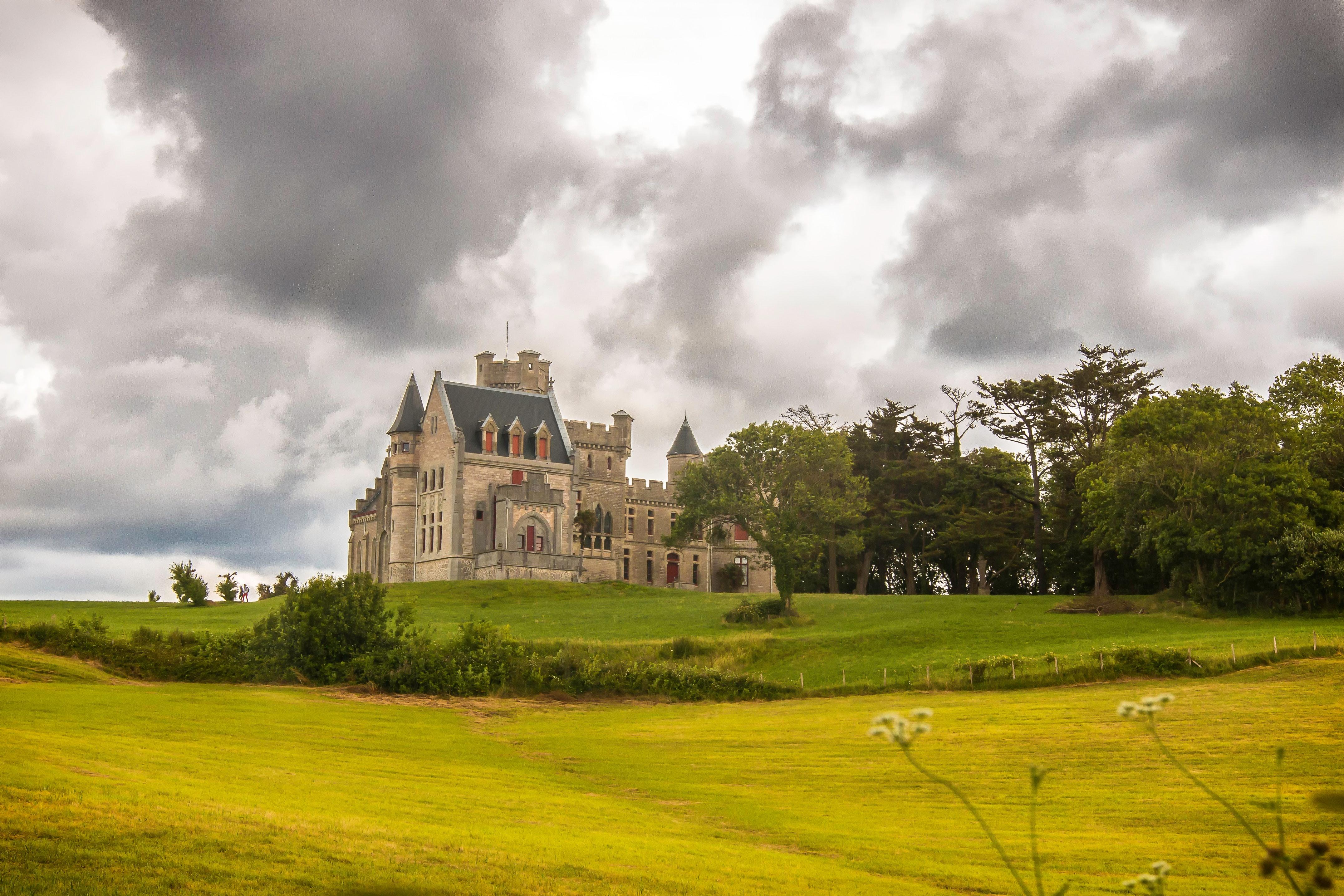 White and Black Concrete Castle on Daytime, Architecture, Building, Castle, Grass, HQ Photo