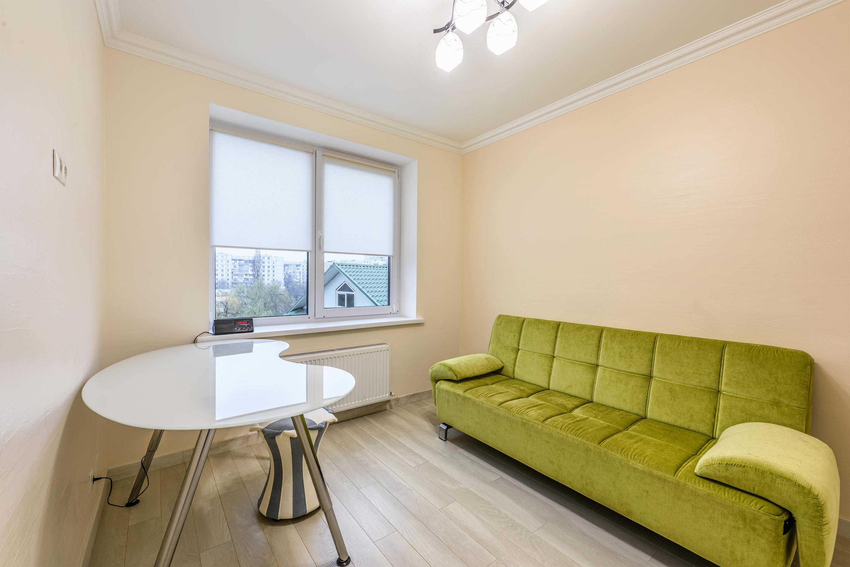 White apartment interior design photo
