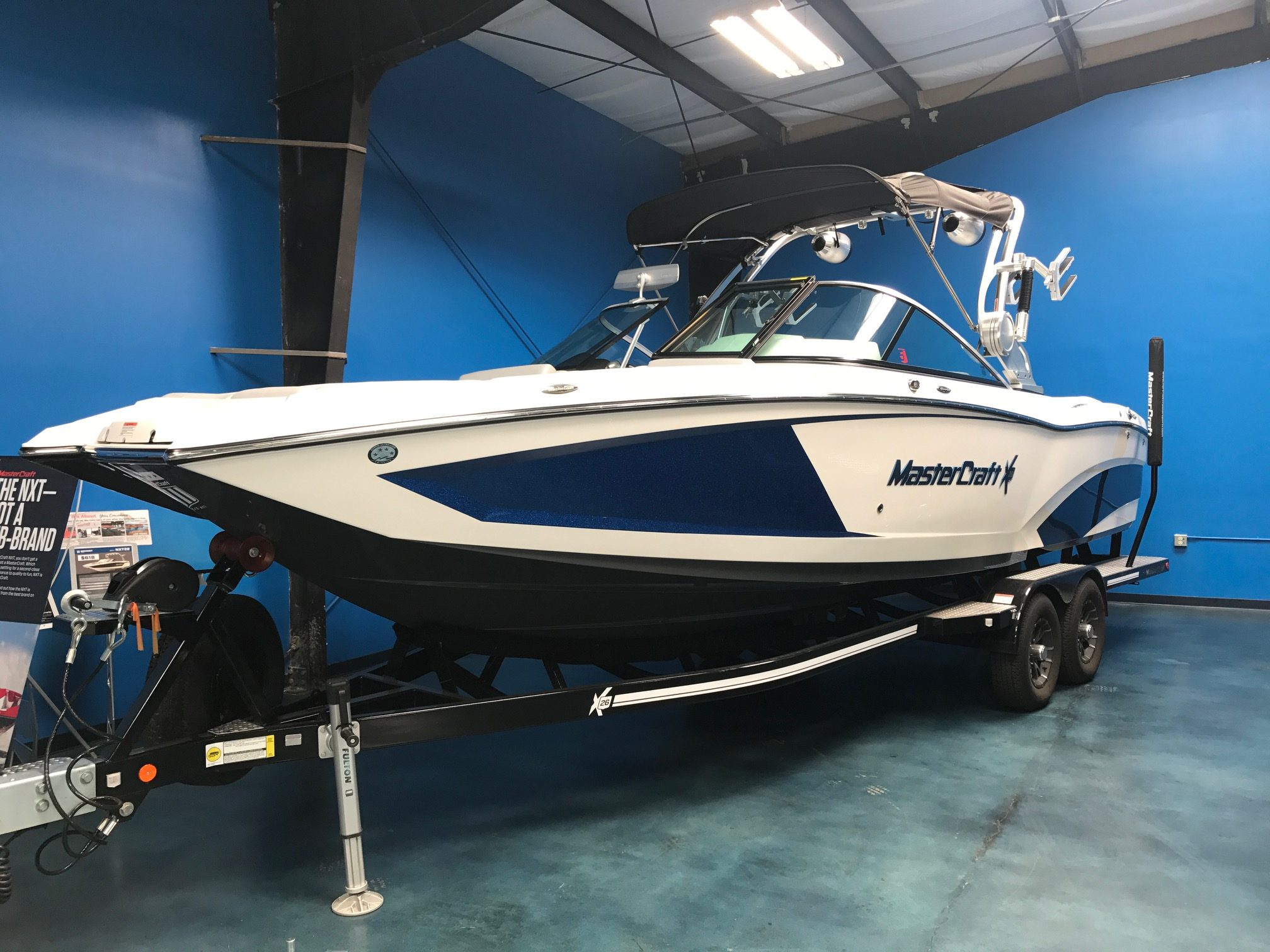 2016 X26! White/Canadian Blue Flake - MasterCraft Seattle