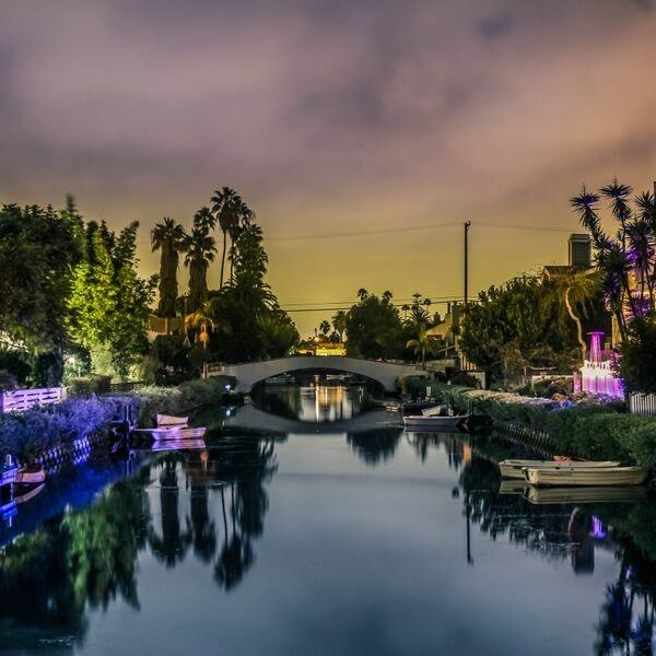 White Bridge Above River Under Grey Sky during Sunset, Boats, Bridge, Outdoors, Reflection, HQ Photo