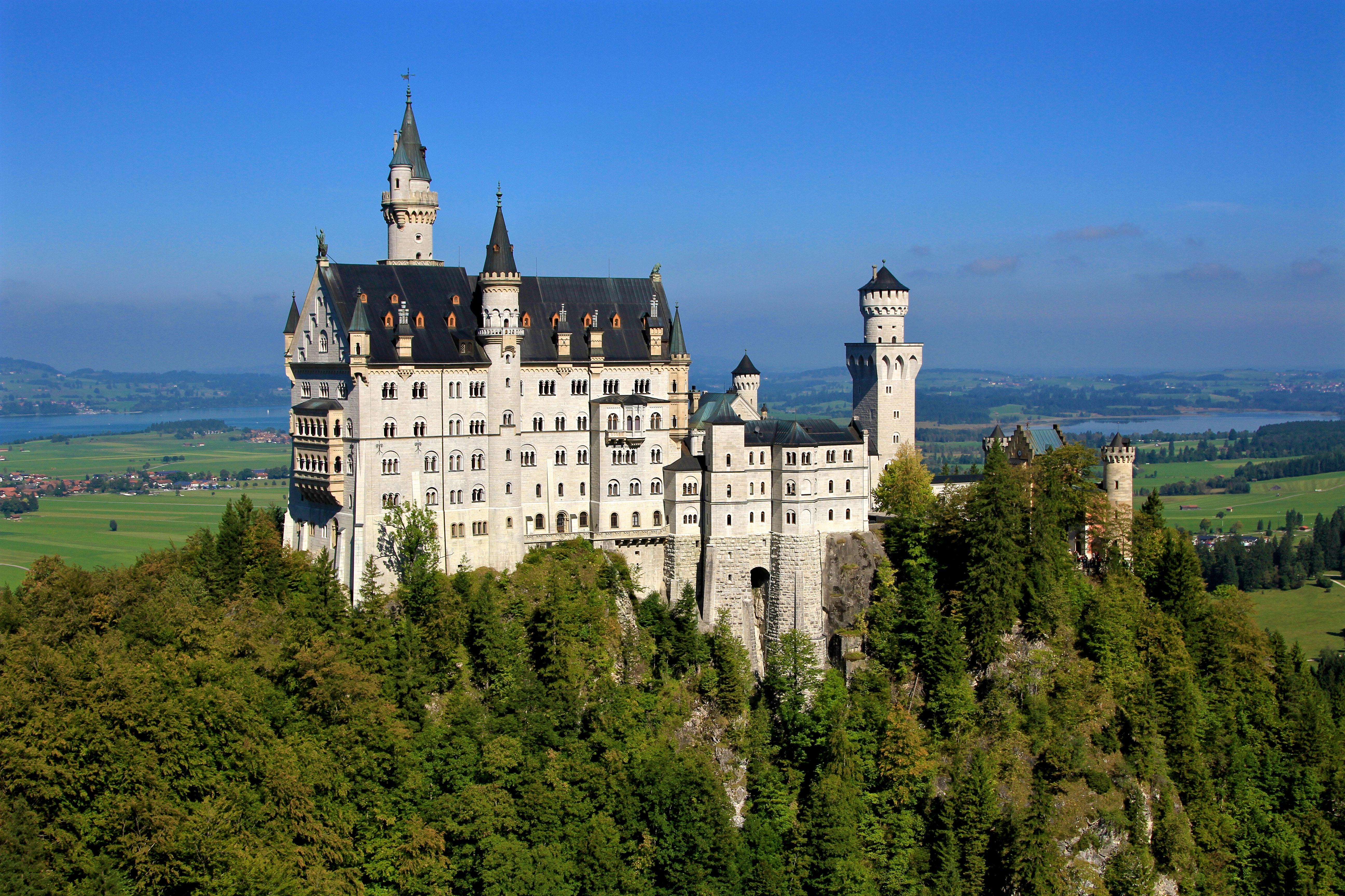 White castle during daytime photo