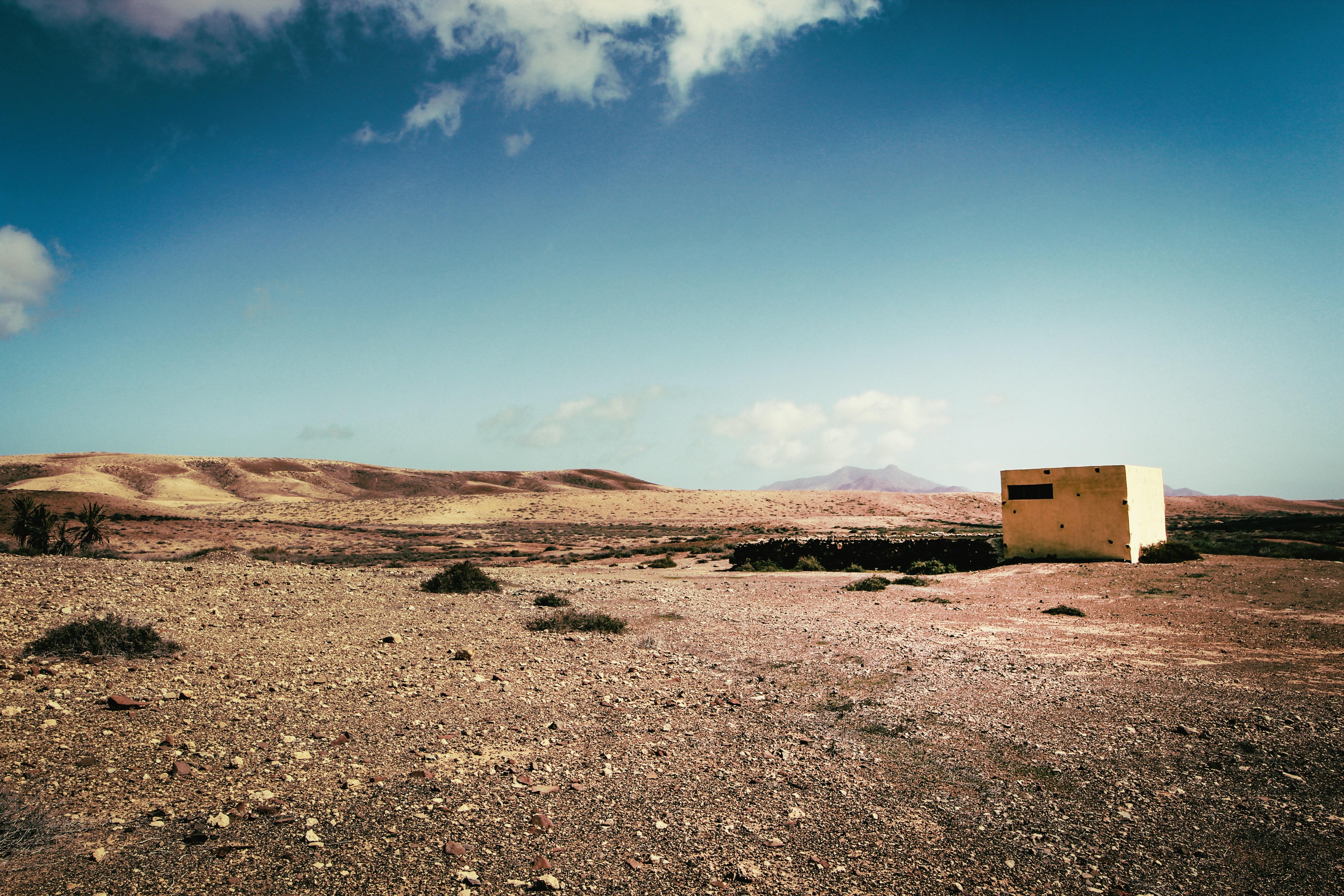 White Concrete Building on Desert, Abandoned, Sun, Solitary, Soil, HQ Photo