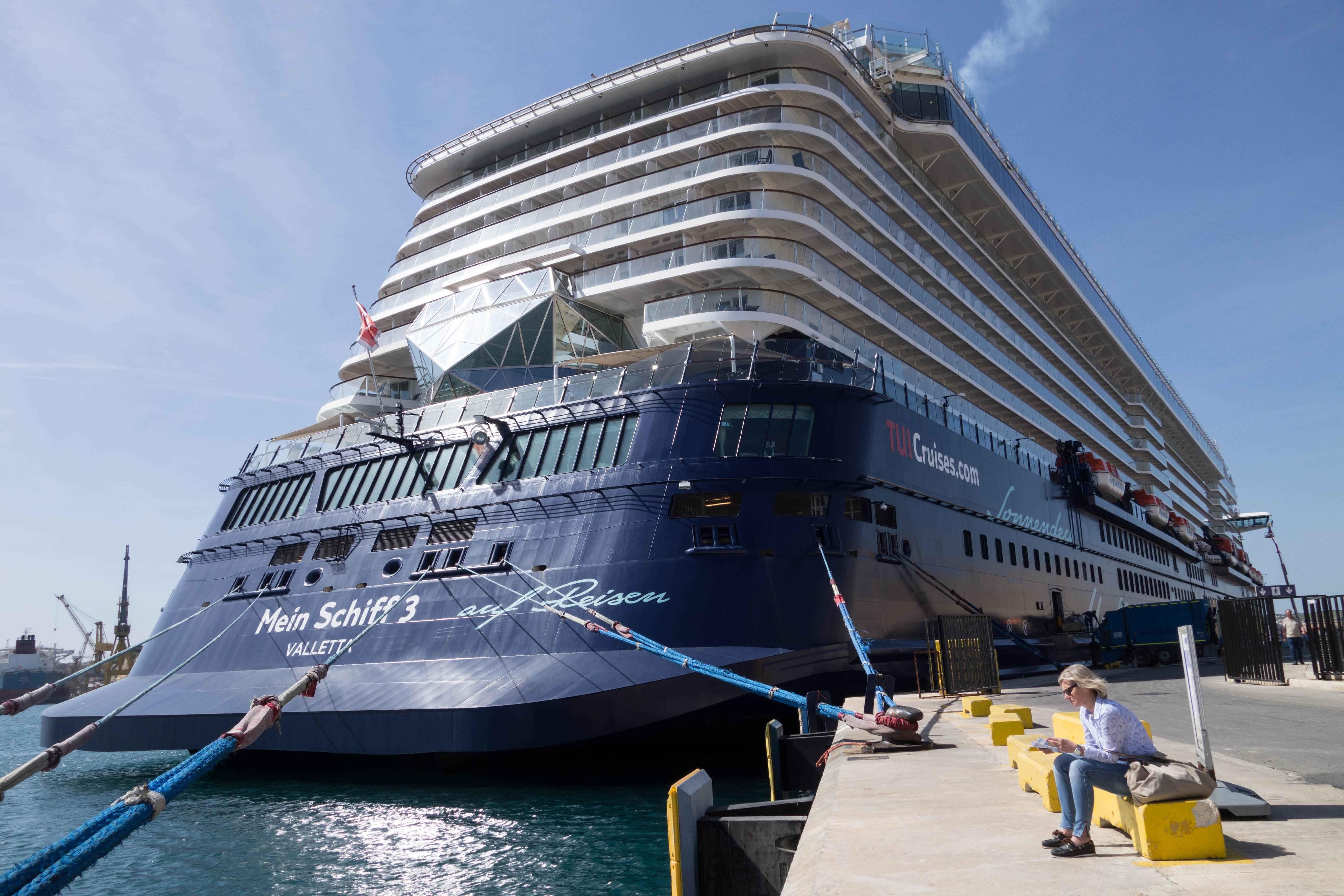 Blue And White Main Schiff 3 Cruise Ship Free Image Peakpx Holiday ...