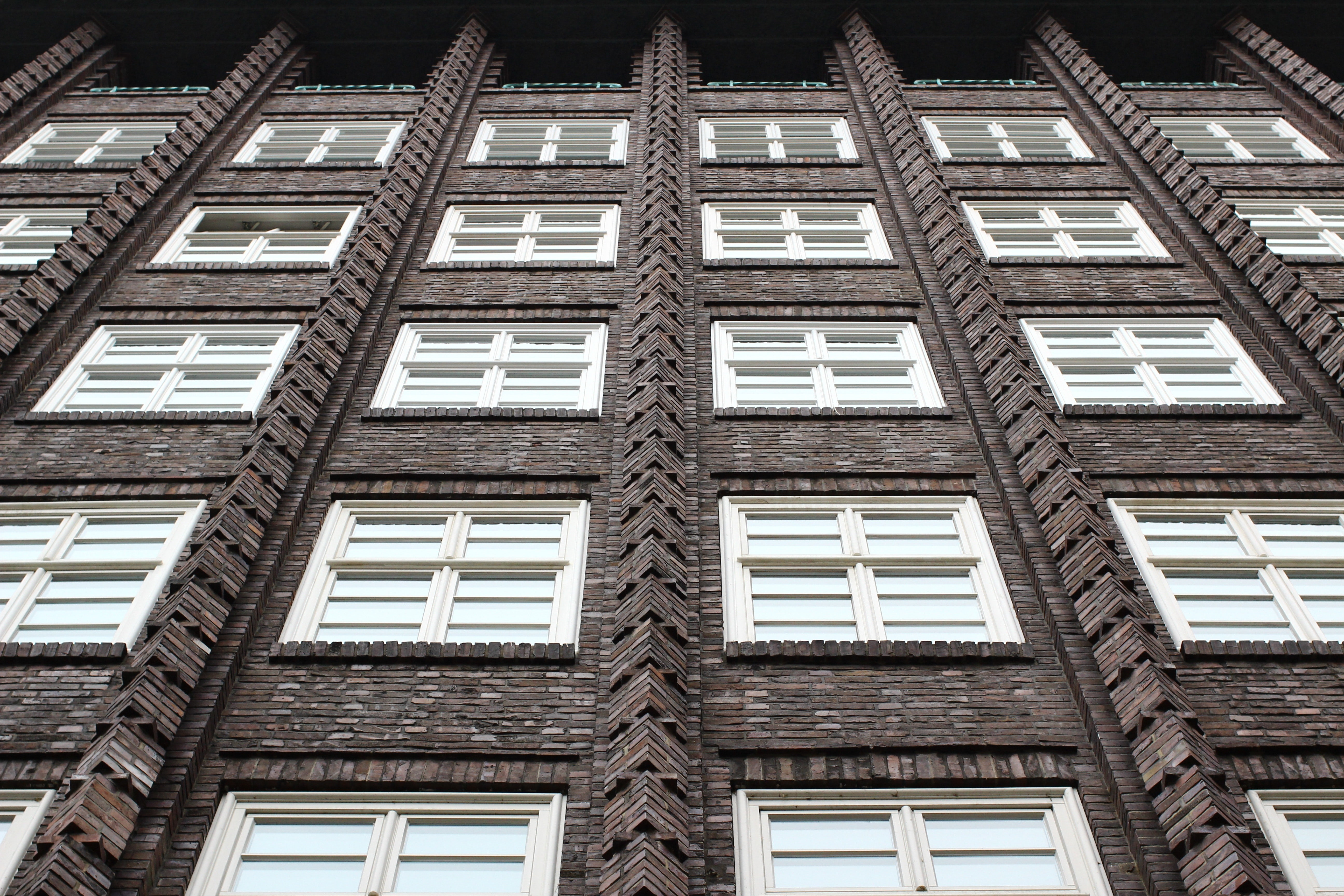 White Gray and White Building, Architecture, Building, Low angle shot, Perspective, HQ Photo