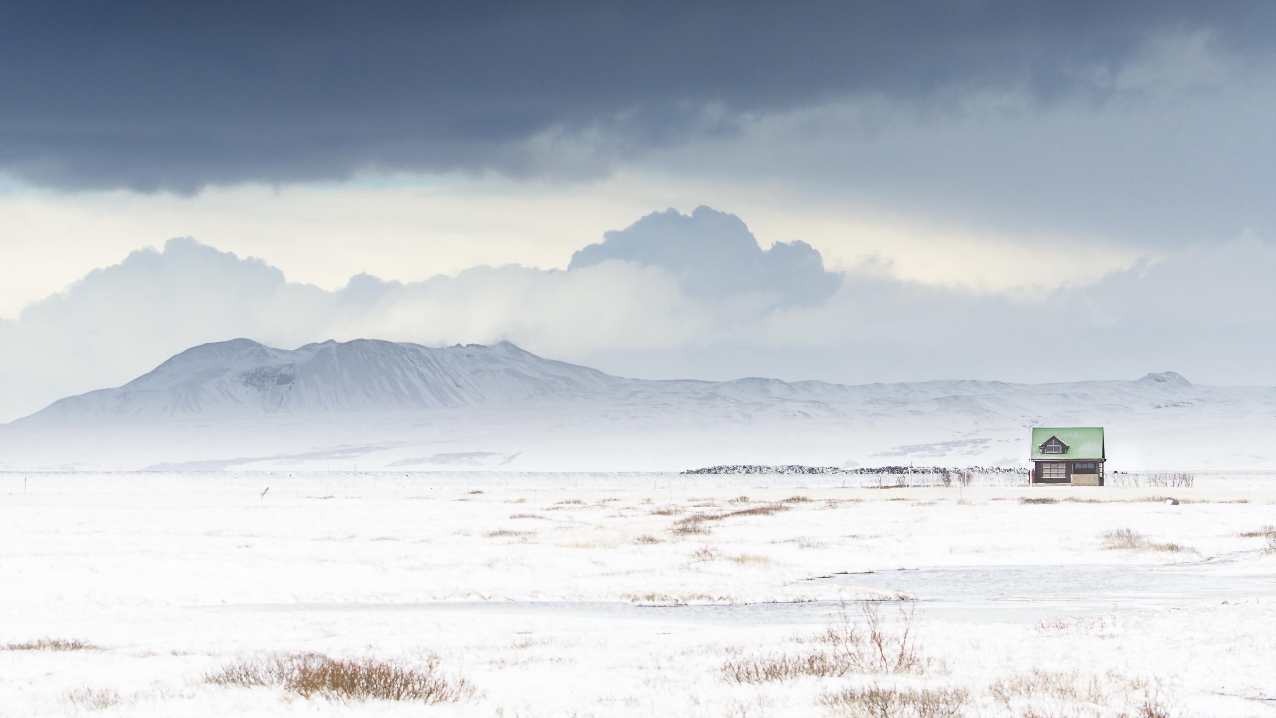 White Iceland / 2560 x 1440 / Landscape / Photography | MIRIADNA.COM