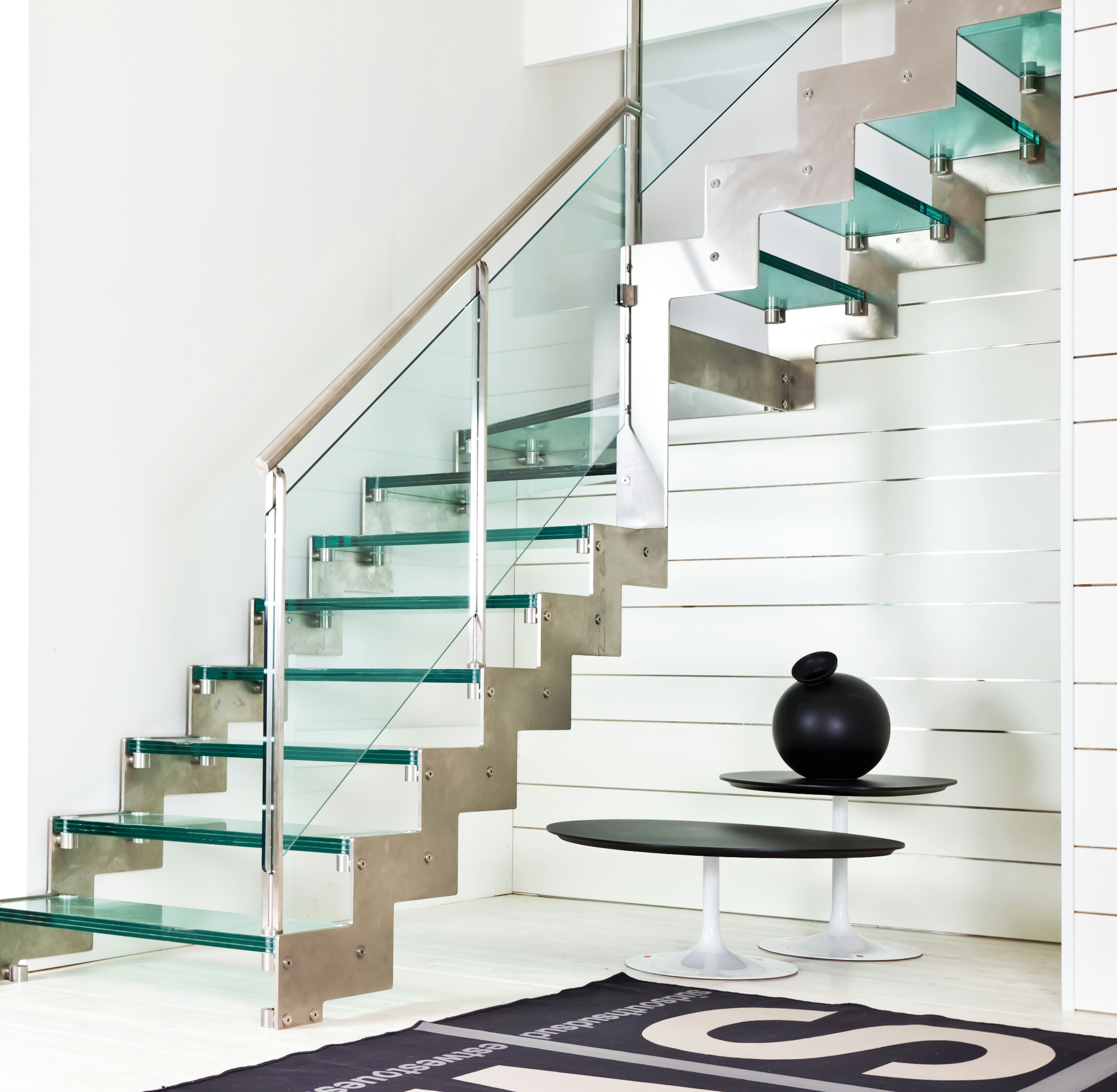 Awesome Glass Steps Open Staircase And Stainless Steel Metal ...
