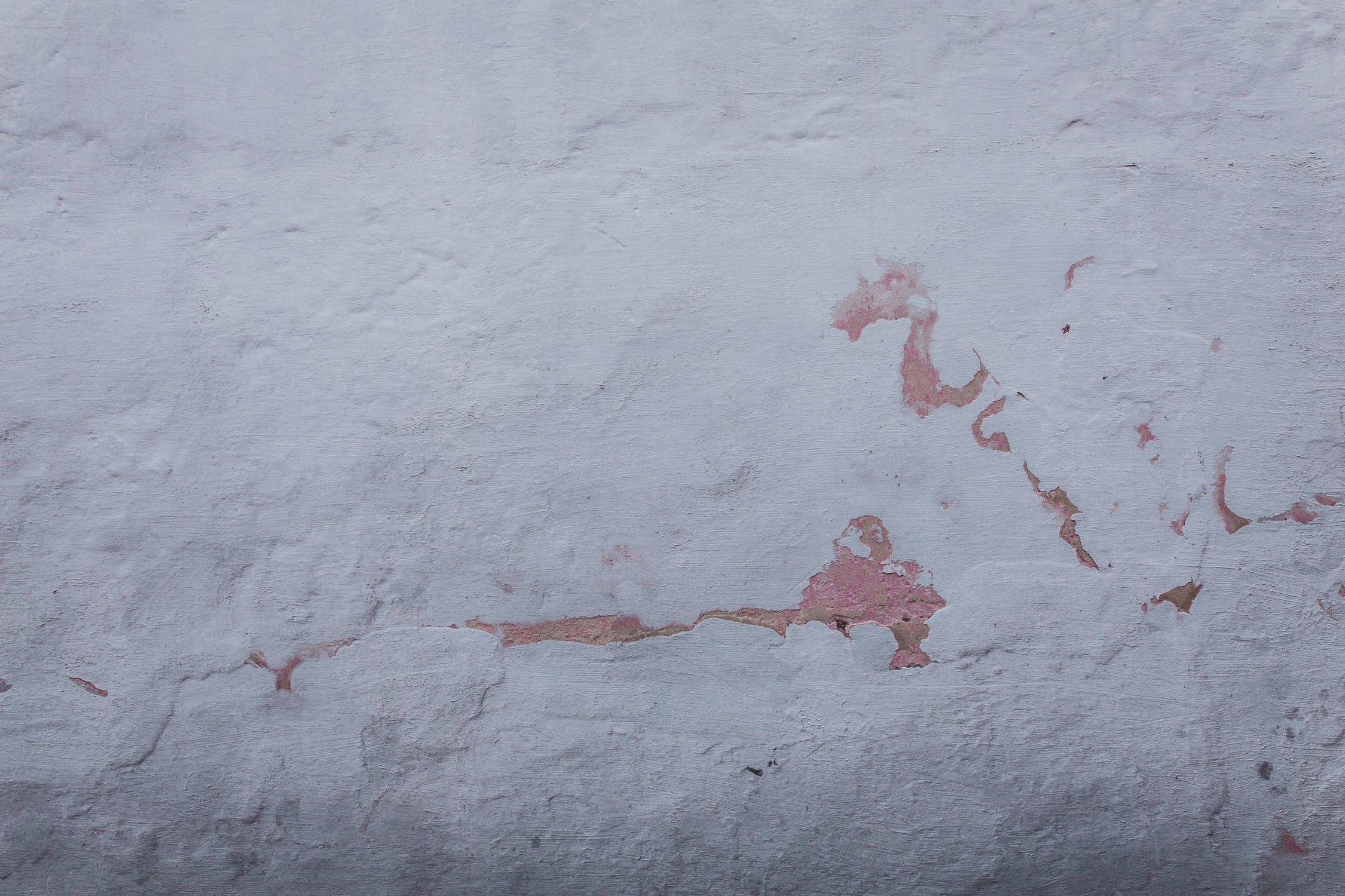 white wall, white wall