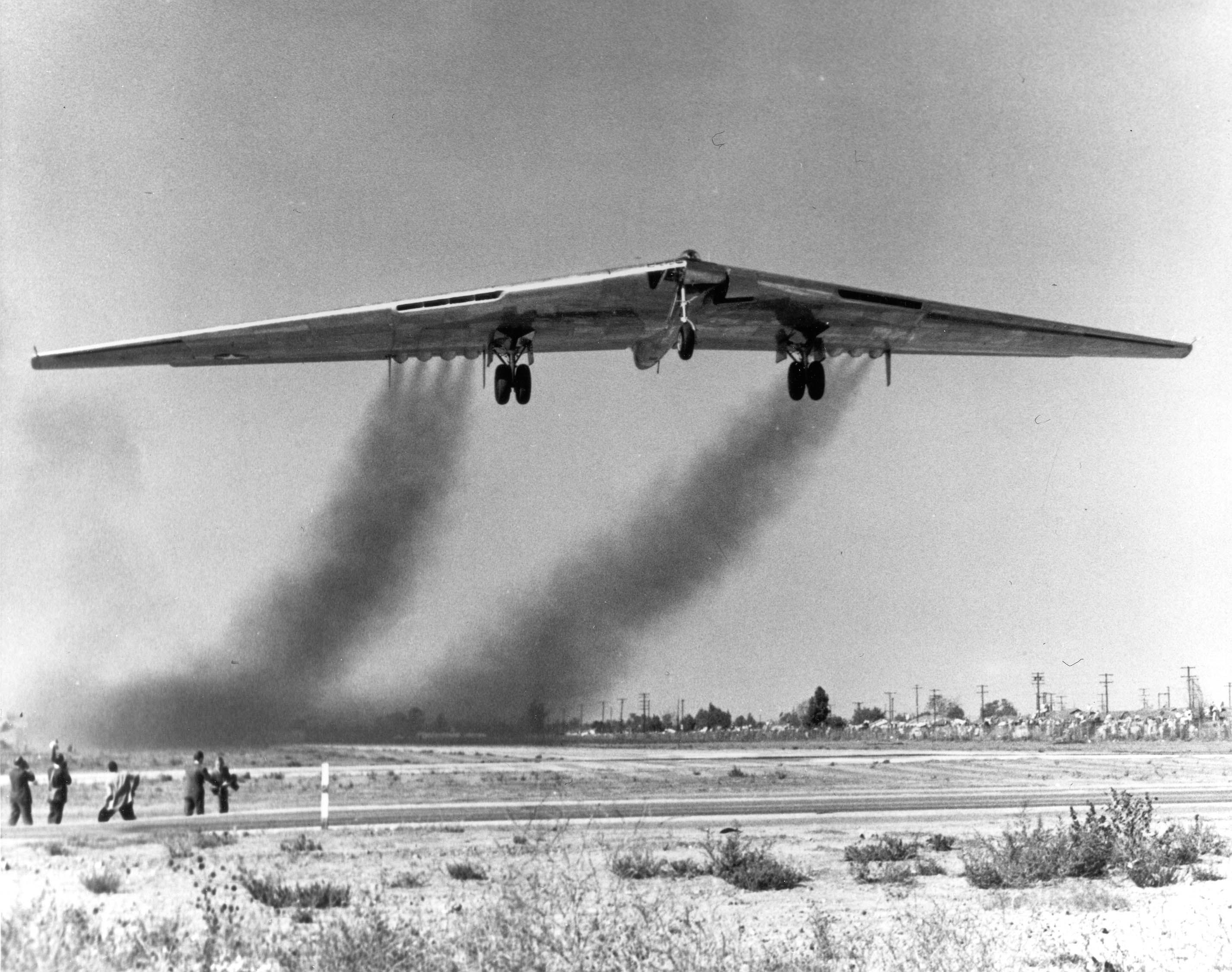 Northrop YB-49 42-102367 takes off from Northrop Field, Hawthorne ...