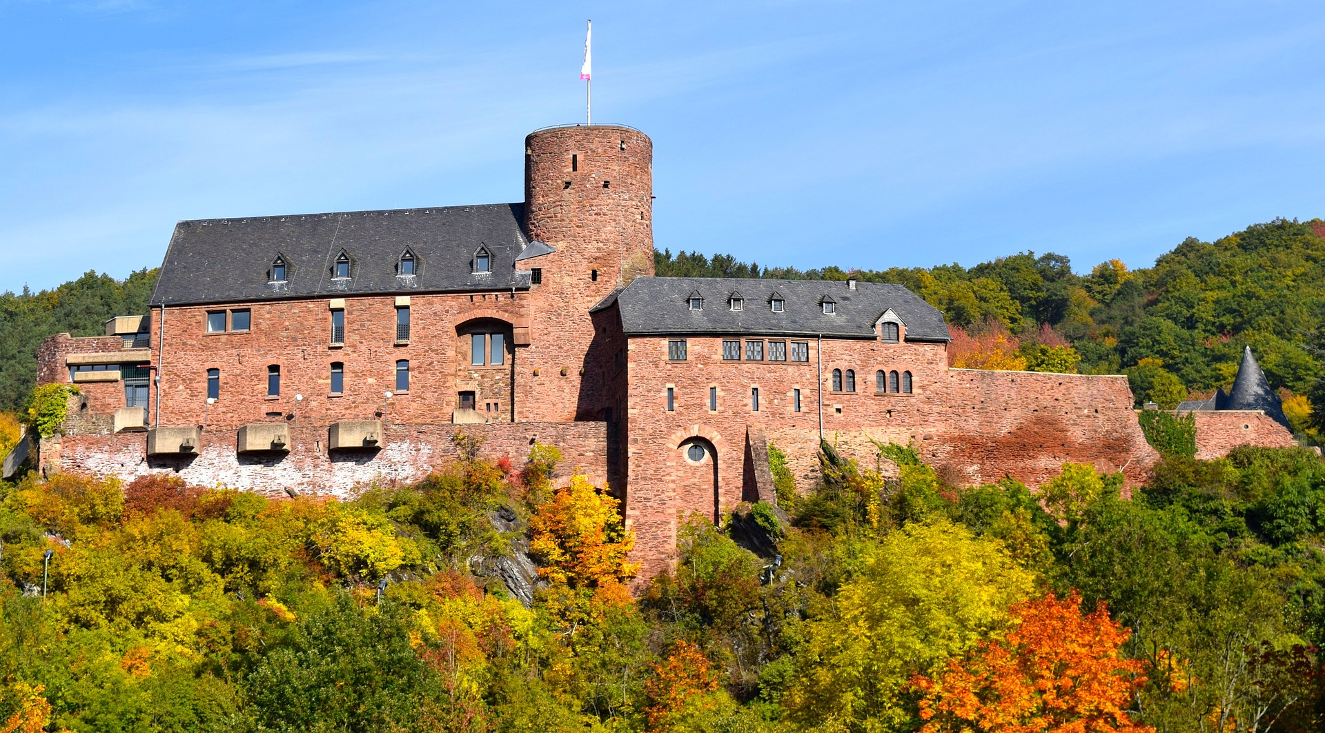 Wild castle photo