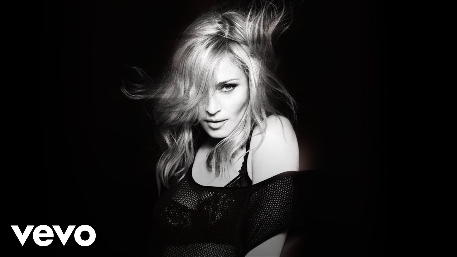Madonna - Girl Gone Wild - YouTube