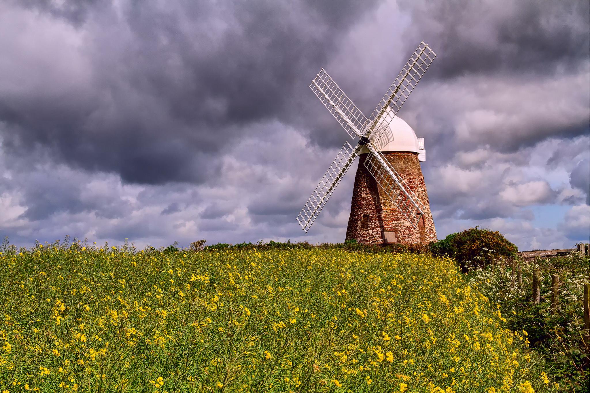 Brick windmill / 2048 x 1365 / Other / Photography | MIRIADNA.COM